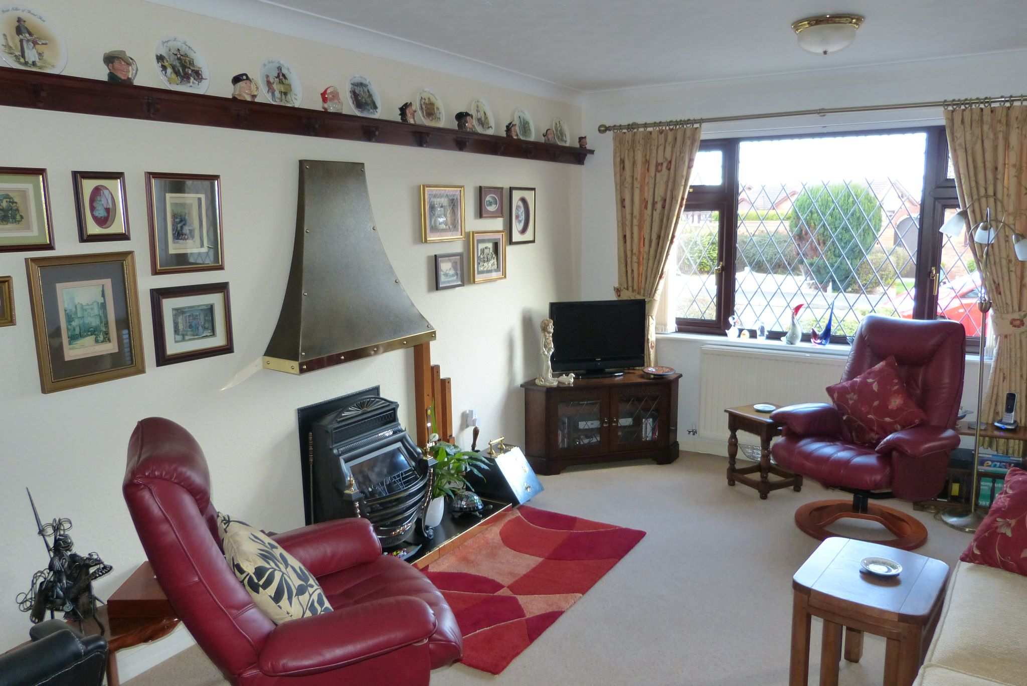 2 bedroom detached bungalow SSTC in Pensarn,  Abergele - Photograph 2