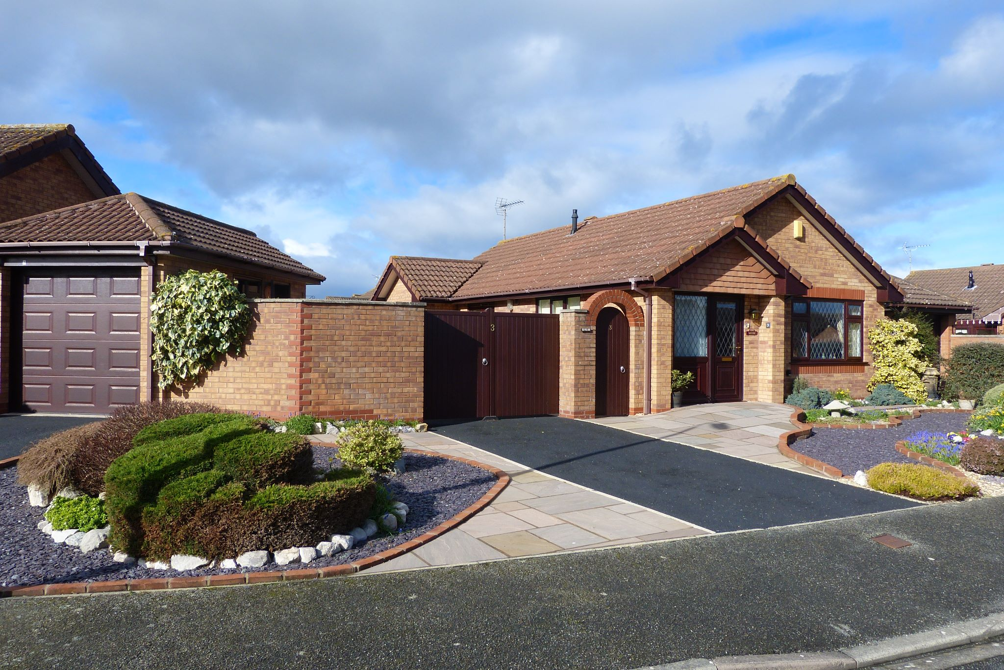 2 bedroom detached bungalow SSTC in Pensarn,  Abergele - Photograph 13