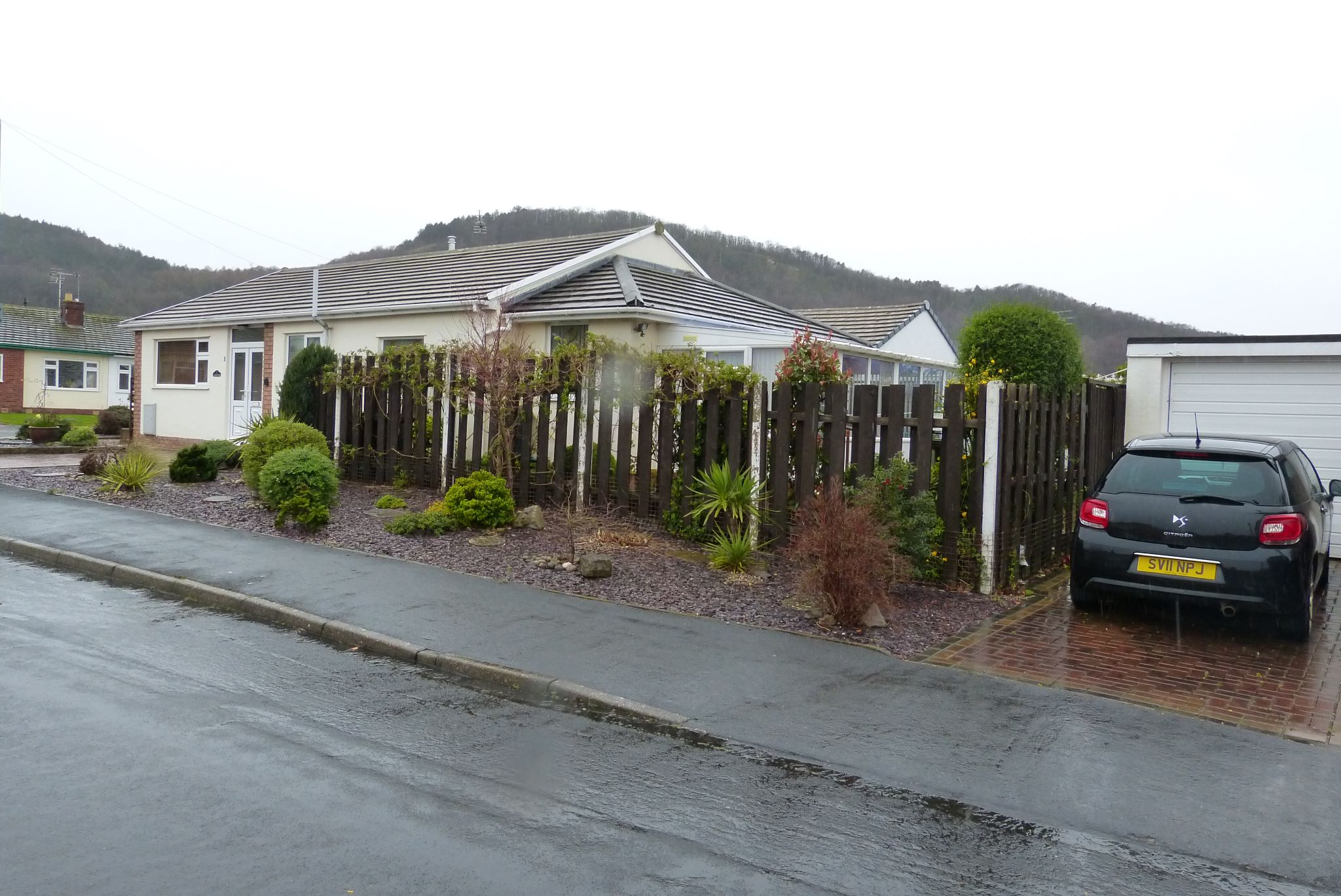 2 bedroom detached bungalow For Sale in Abergele - Photograph 15