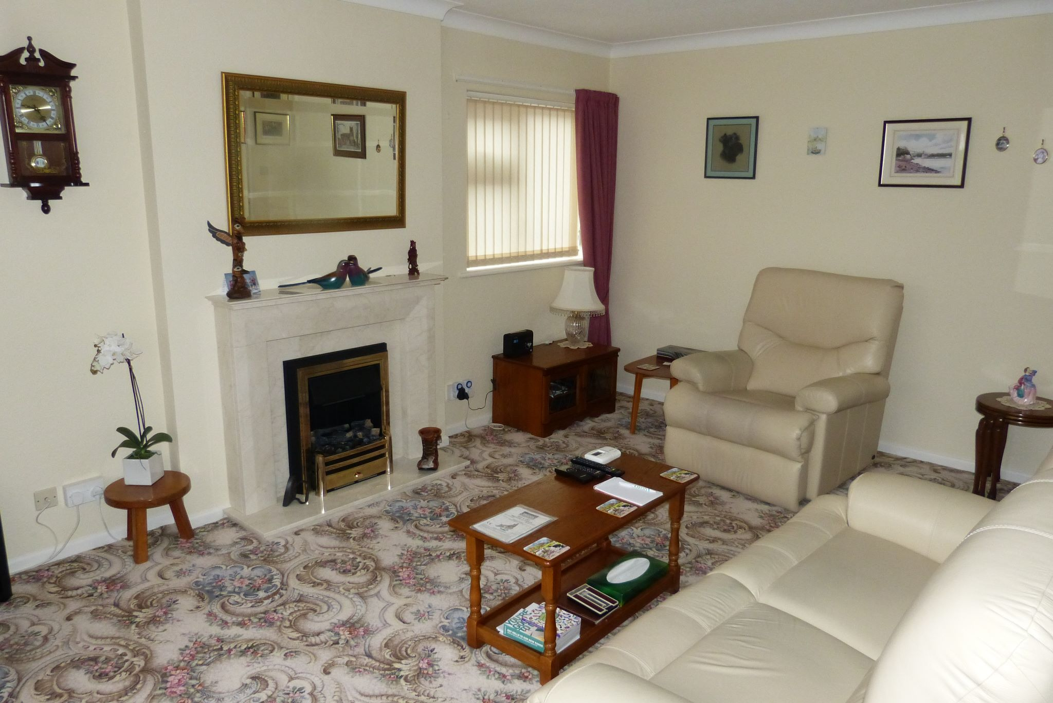 2 bedroom detached bungalow Sale Agreed in Abergele - Photograph 2