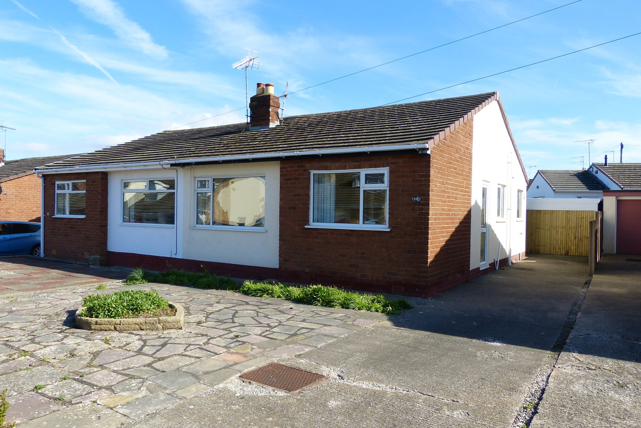2 bedroom semi-detached bungalow For Sale in Abergele - Property photograph