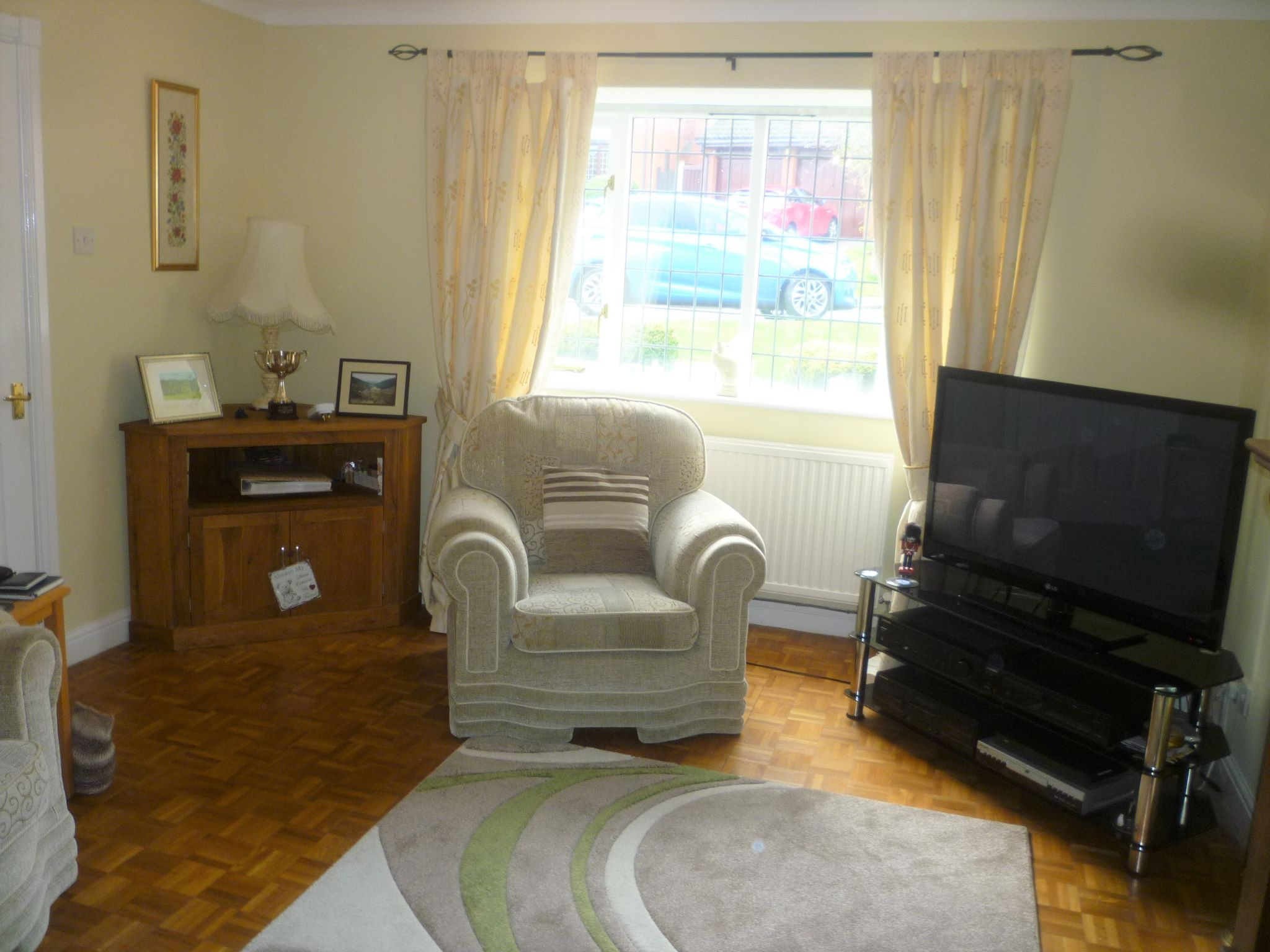 4 bedroom detached house For Sale in Abergele - Photograph 2