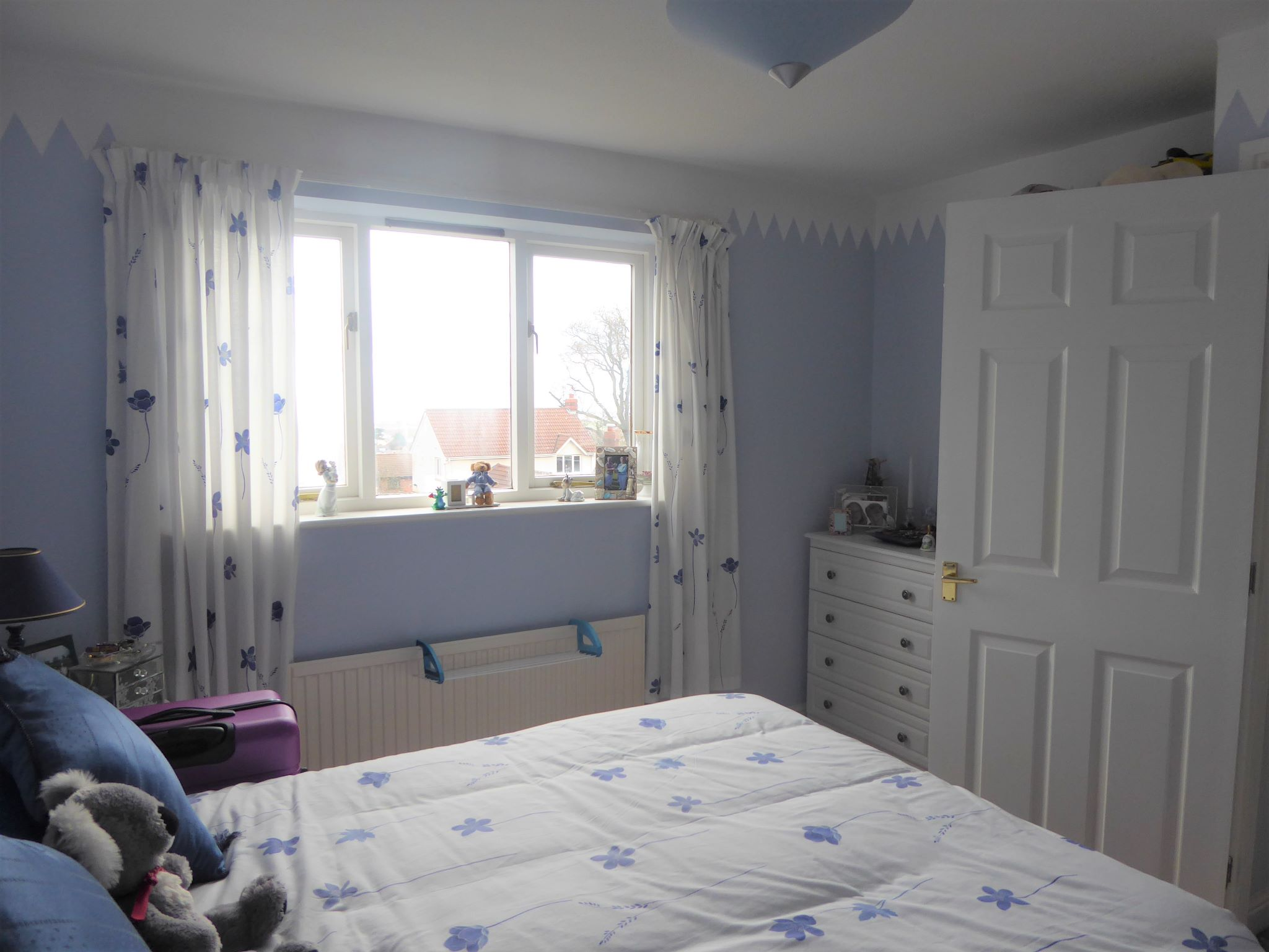 4 bedroom detached house For Sale in Abergele - Photograph 8