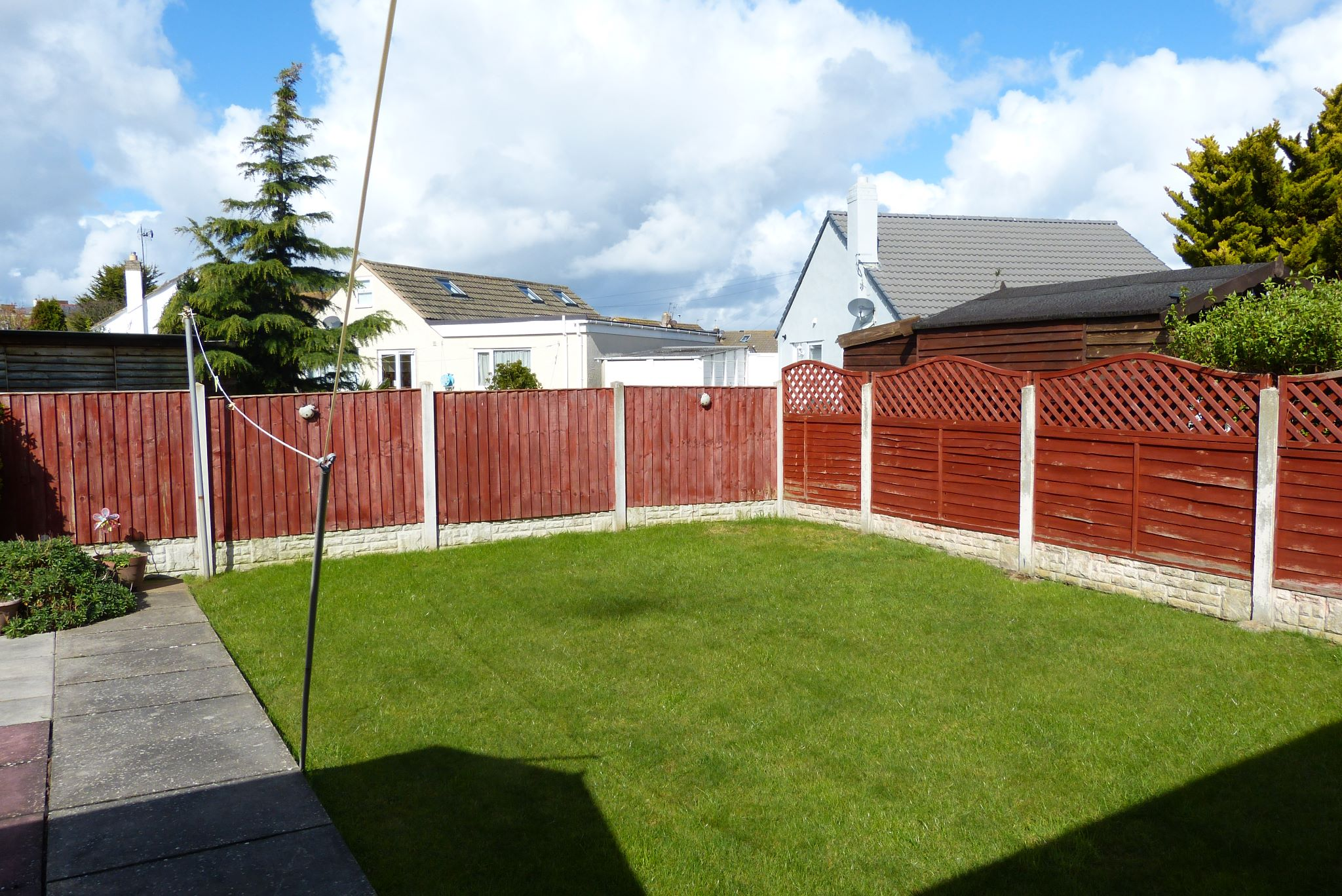 2 bedroom semi-detached bungalow For Sale in Abergele - Photograph 9