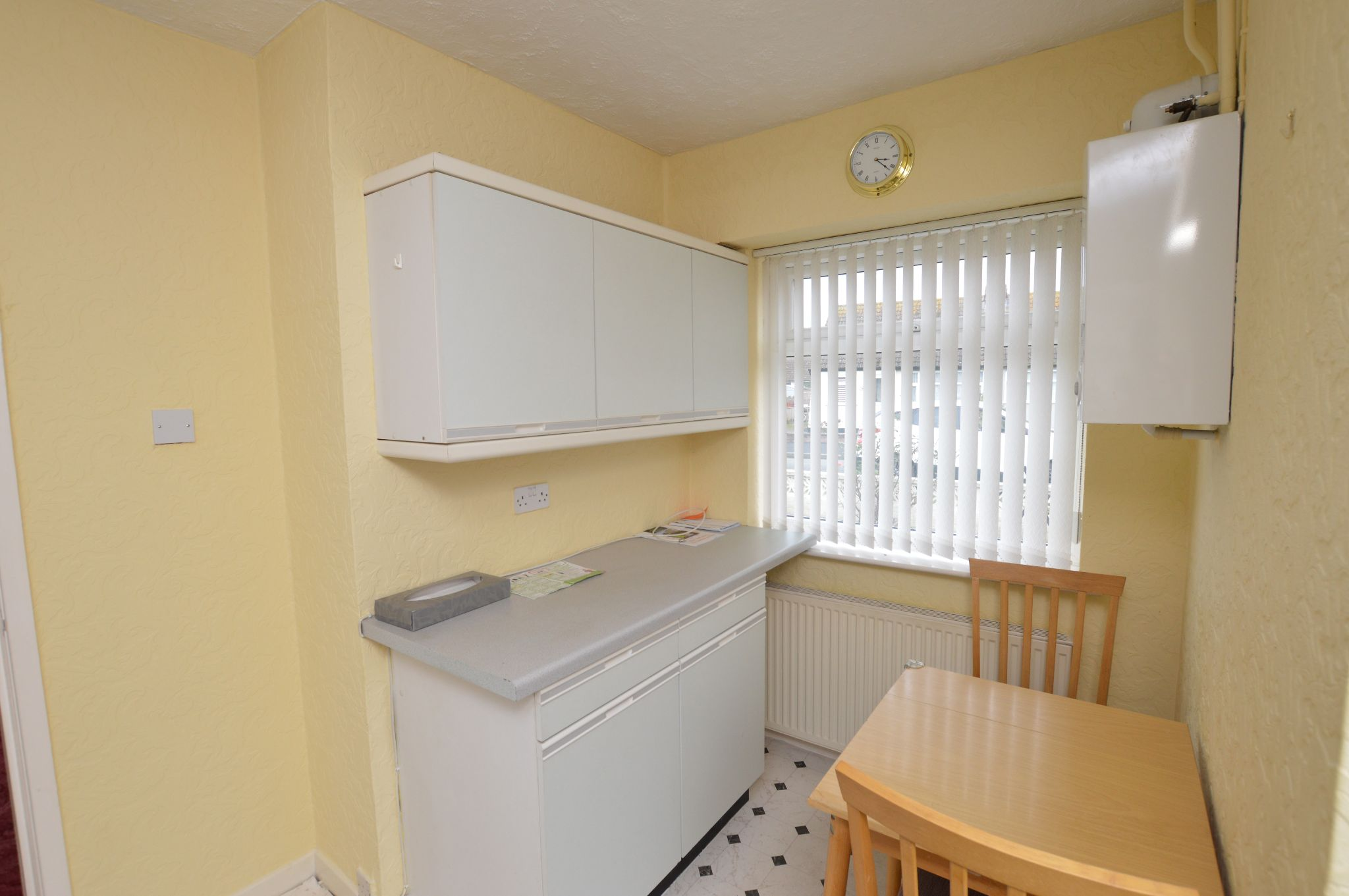 2 bedroom semi-detached bungalow For Sale in Abergele - Kitchen View 3