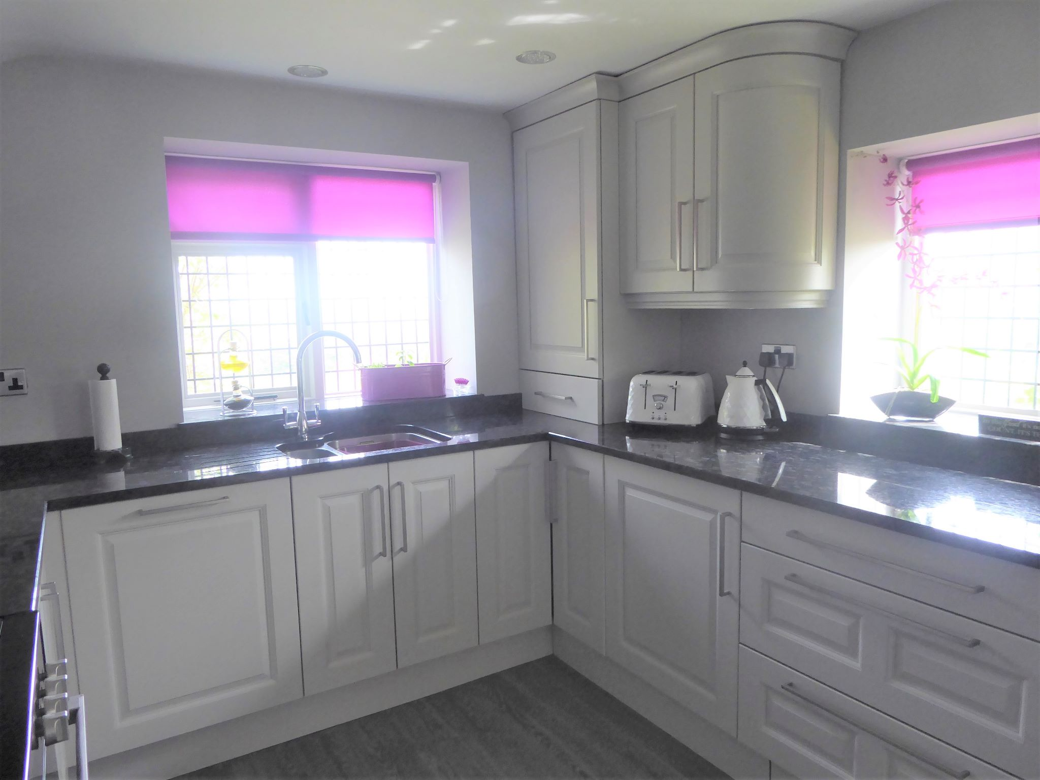 2 bedroom cottage house SSTC in Abergele - Photograph 10