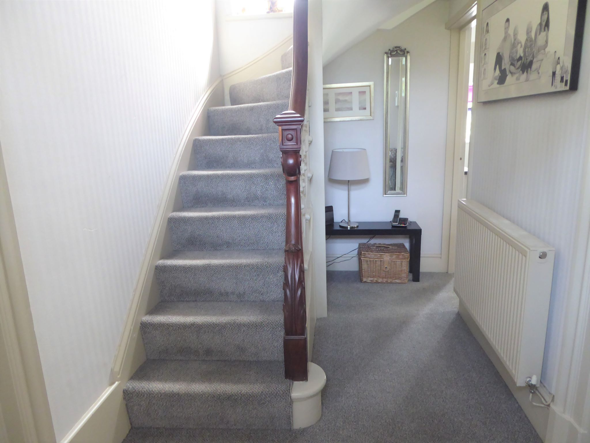 2 bedroom cottage house SSTC in Abergele - Photograph 2