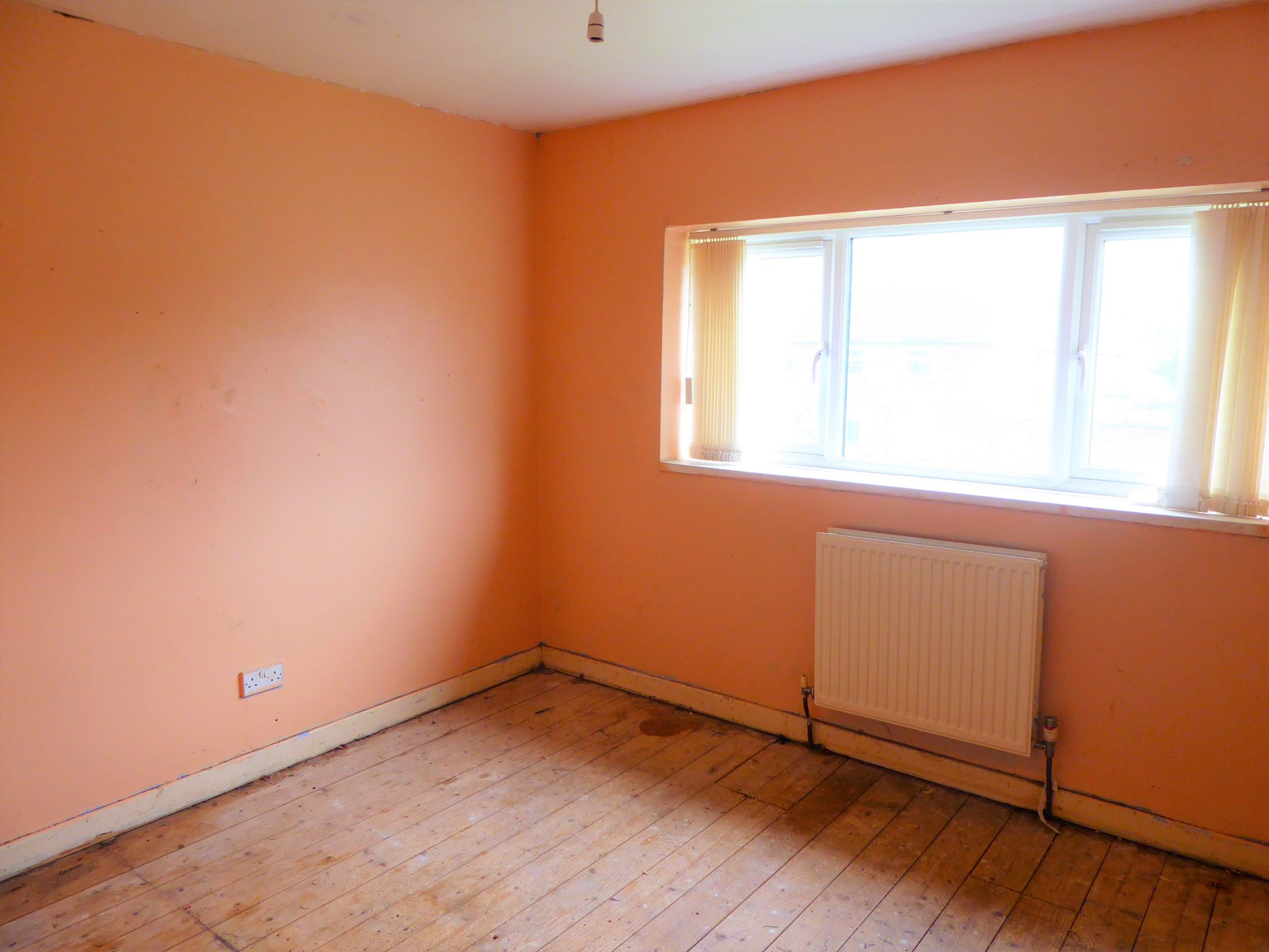 3 bedroom mid terraced house SSTC in Abergele - Photograph 6