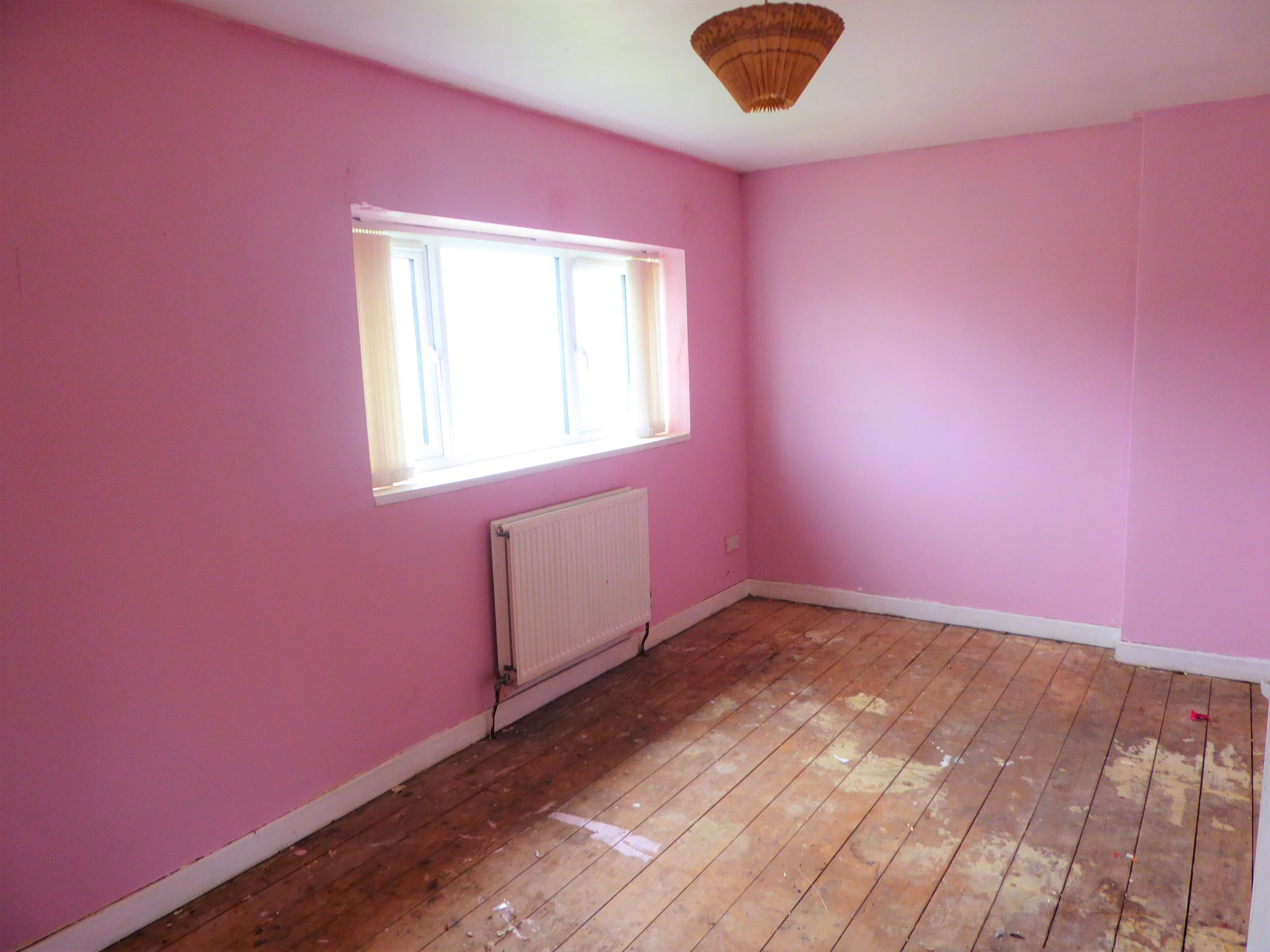 3 bedroom mid terraced house SSTC in Abergele - Photograph 7