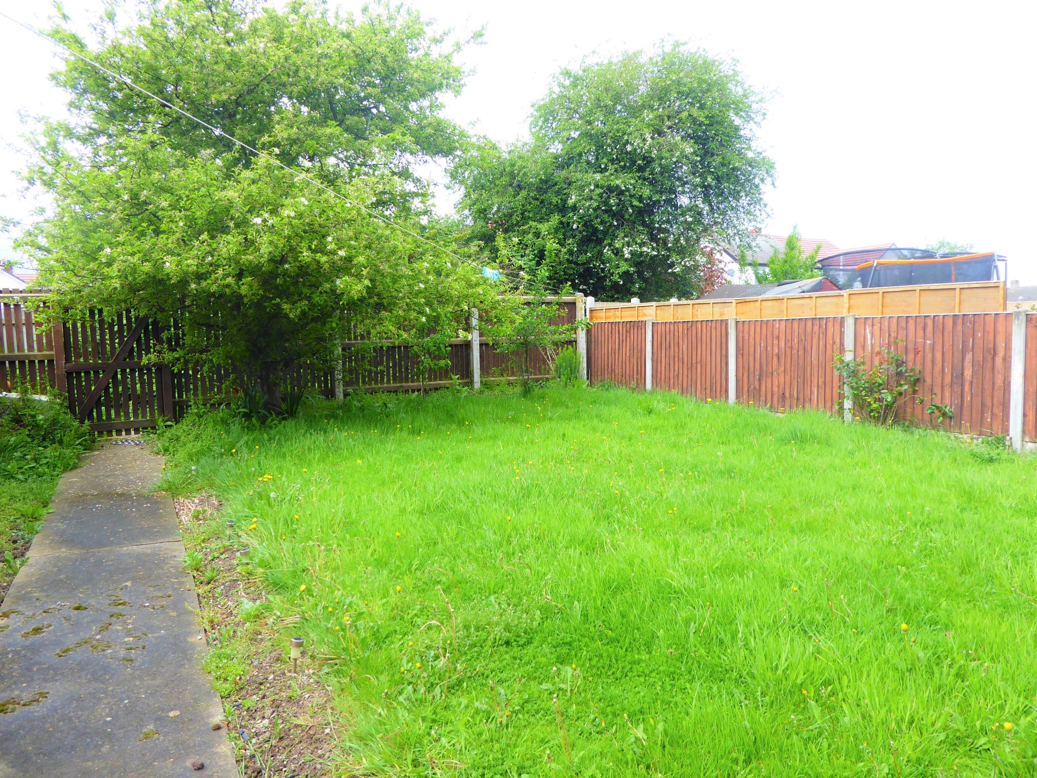 3 bedroom mid terraced house SSTC in Abergele - Photograph 13