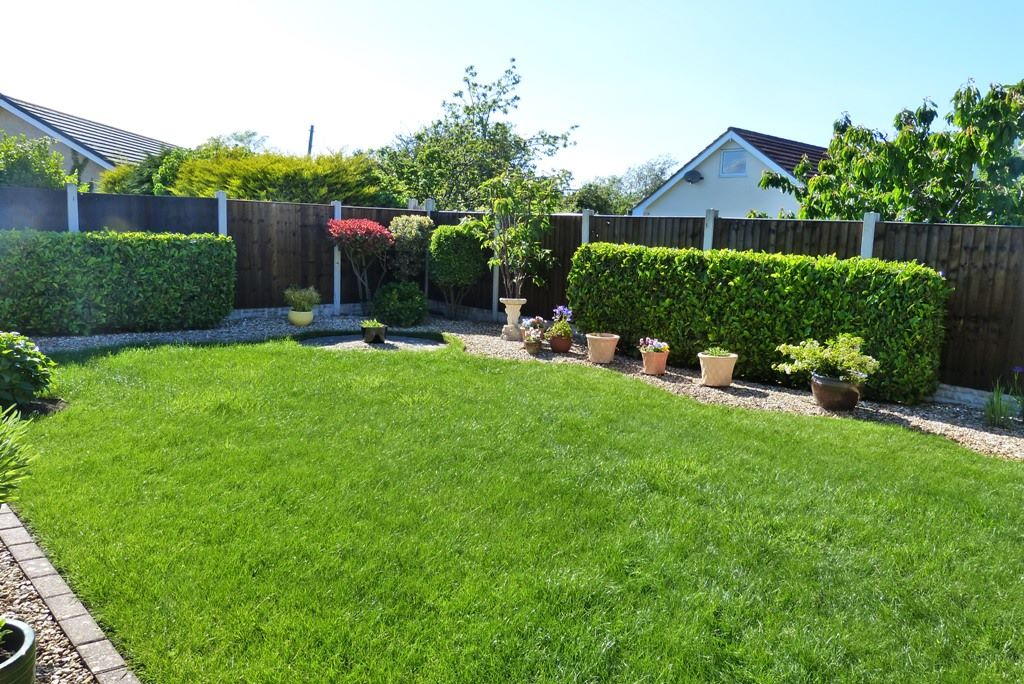 3 bedroom detached bungalow For Sale in Abergele - Photograph 12