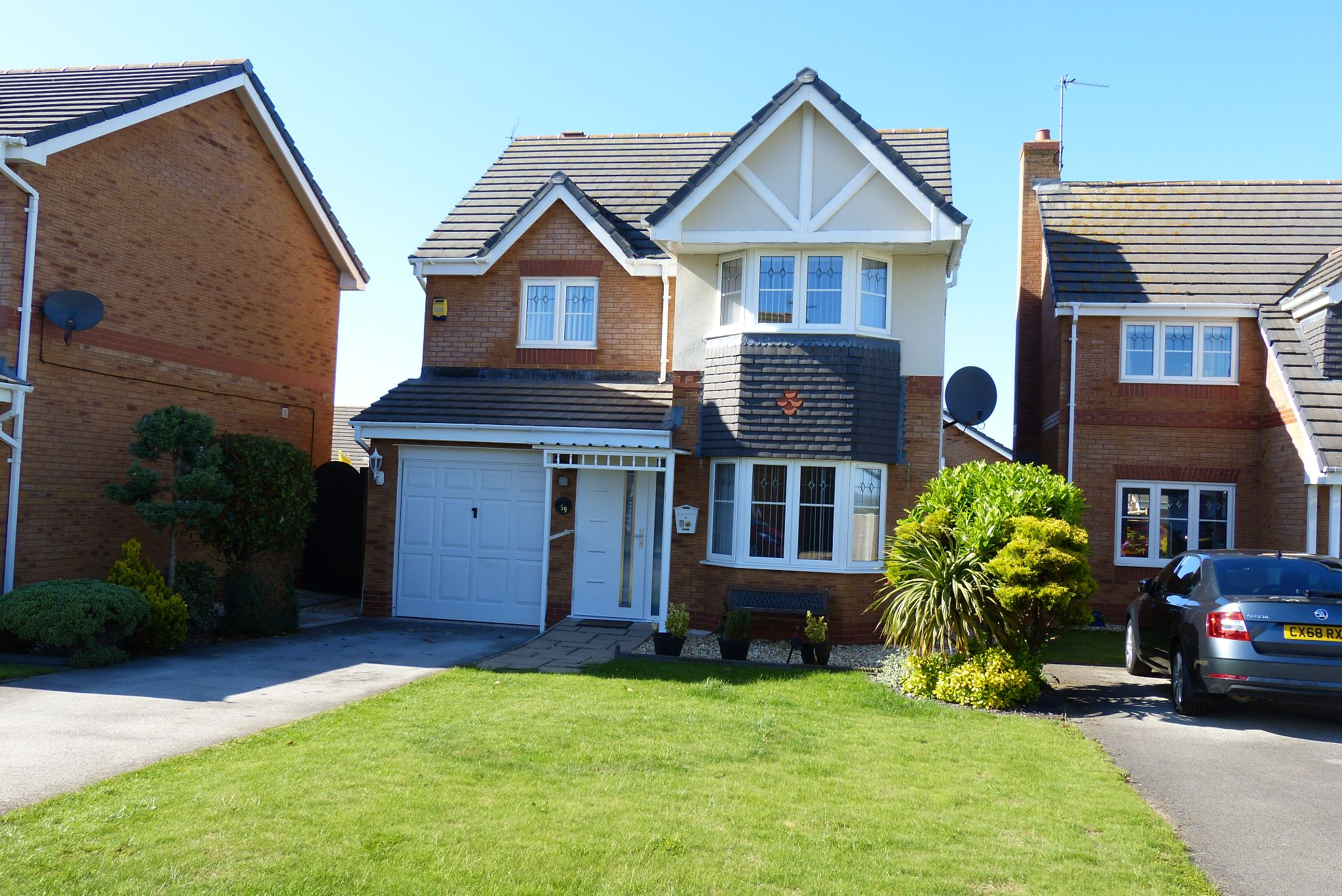 4 bedroom detached house SSTC in Abergele - Photograph 1