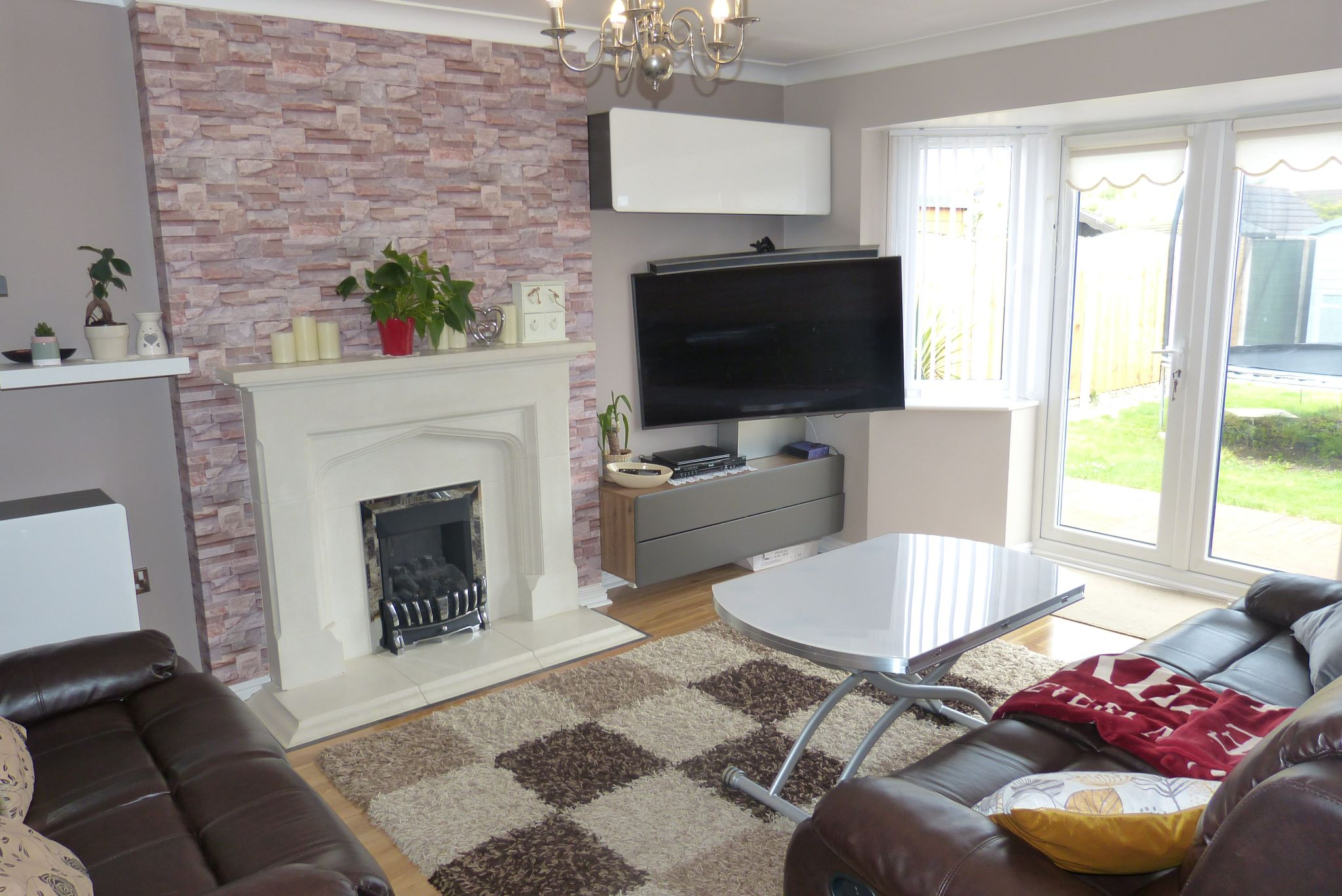 4 bedroom detached house SSTC in Abergele - Photograph 2