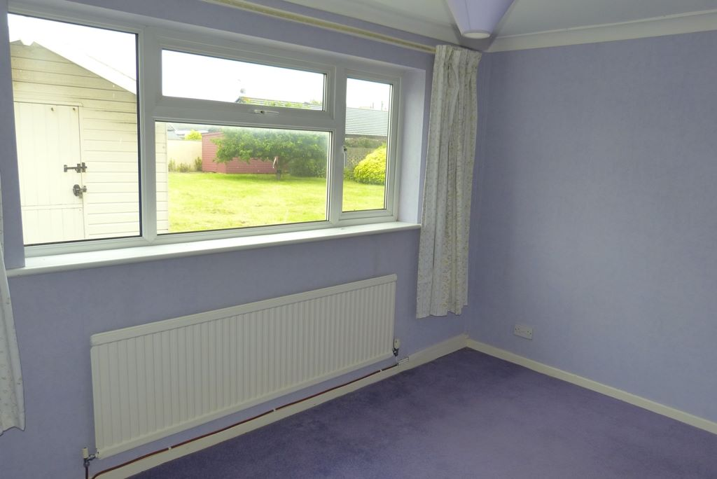 2 bedroom detached bungalow For Sale in Rhyl - Photograph 8