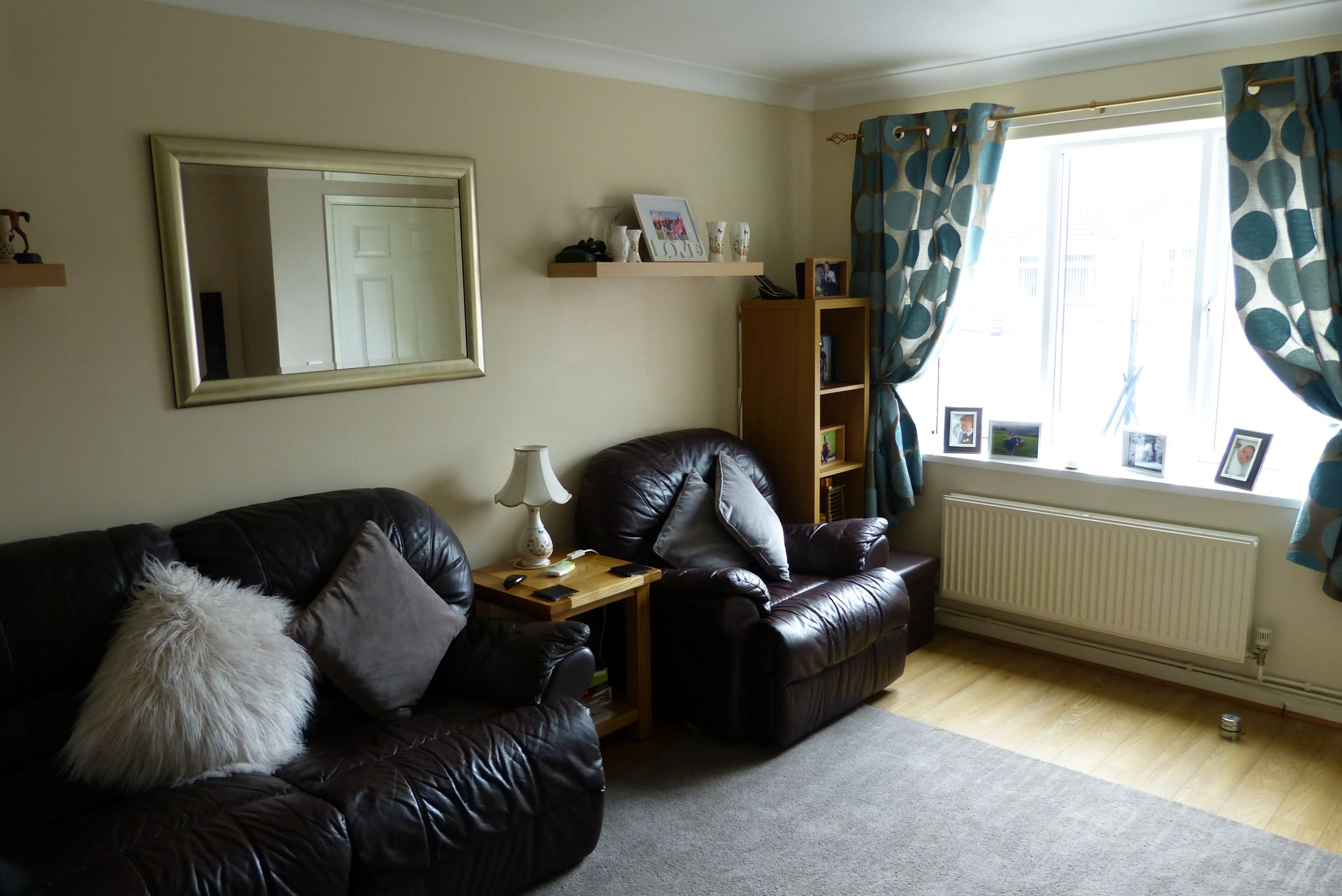 2 bedroom end terraced house For Sale in Abergele - Photograph 2
