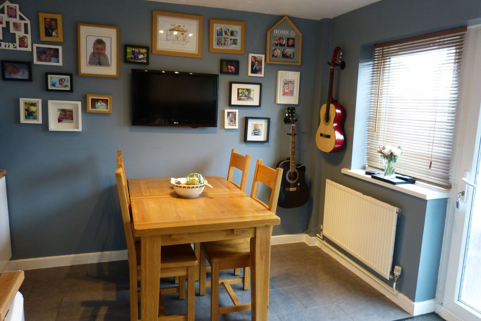 2 bedroom end terraced house For Sale in Abergele - Photograph 4