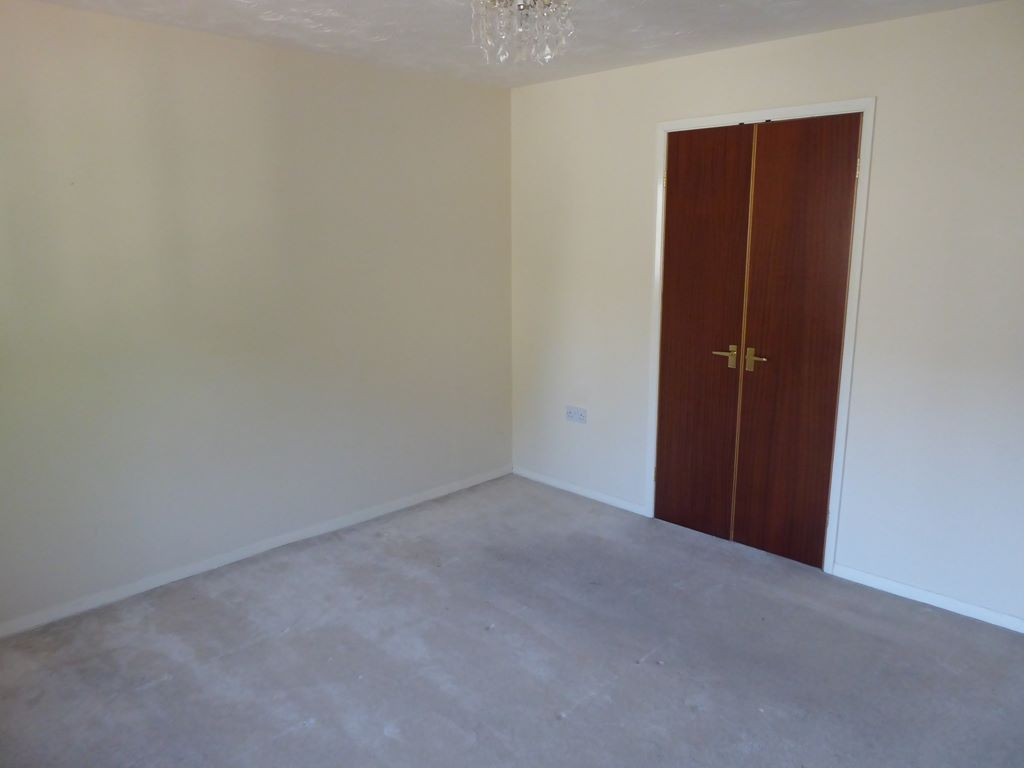 2 bedroom end terraced house Under Offer in Abergele - Photograph 8