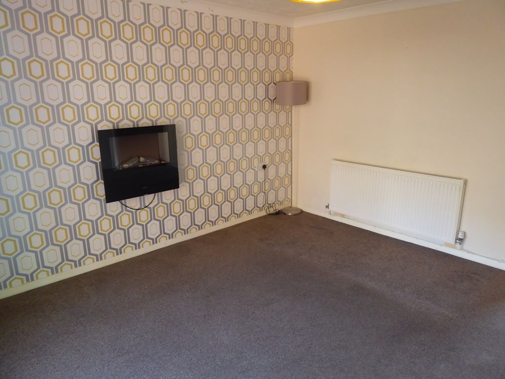 2 bedroom end terraced house Under Offer in Abergele - Photograph 4