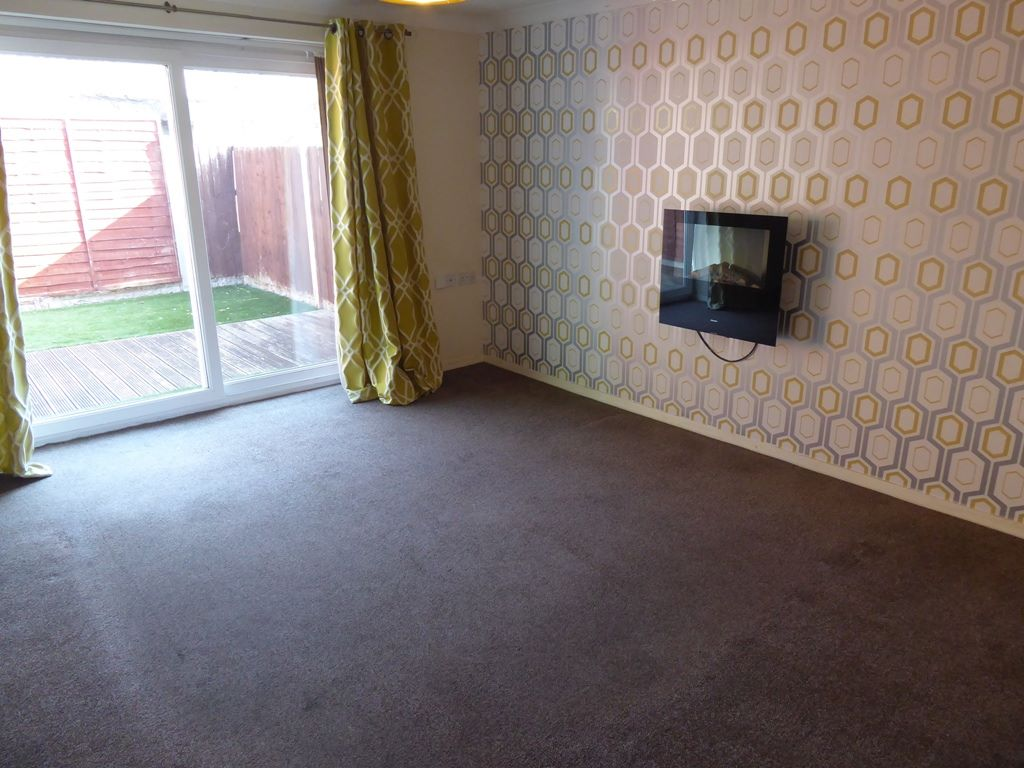 2 bedroom end terraced house Under Offer in Abergele - Photograph 3