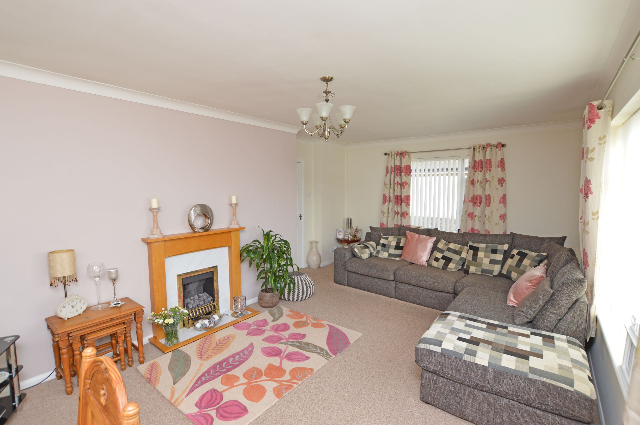 2 bedroom detached bungalow For Sale in Abergele - Lounge View 3