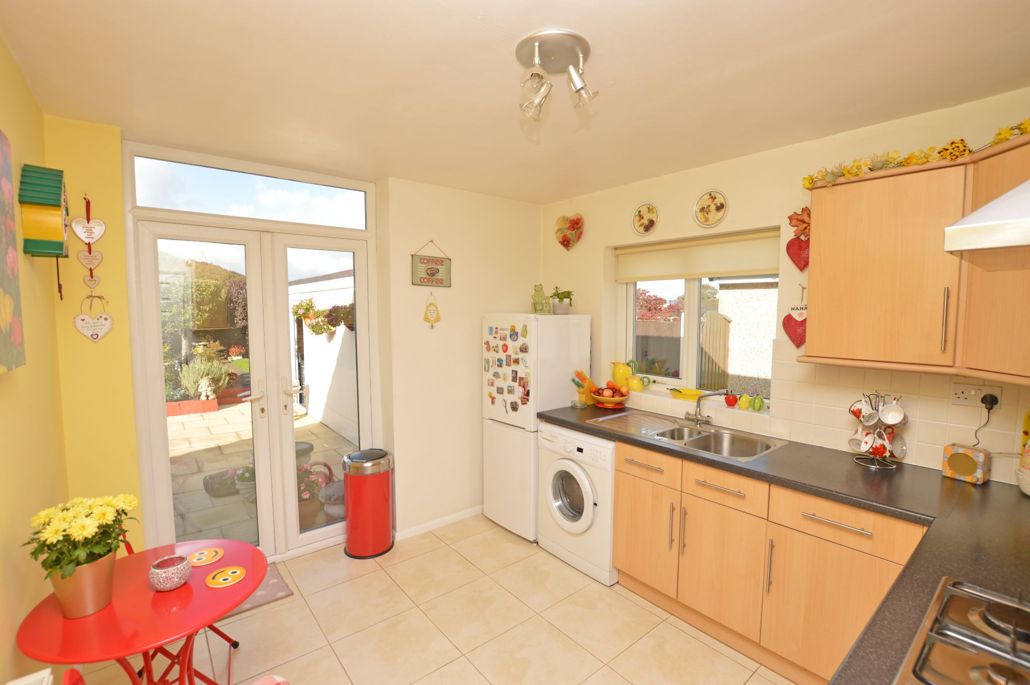 2 bedroom detached bungalow For Sale in Abergele - Kitchen