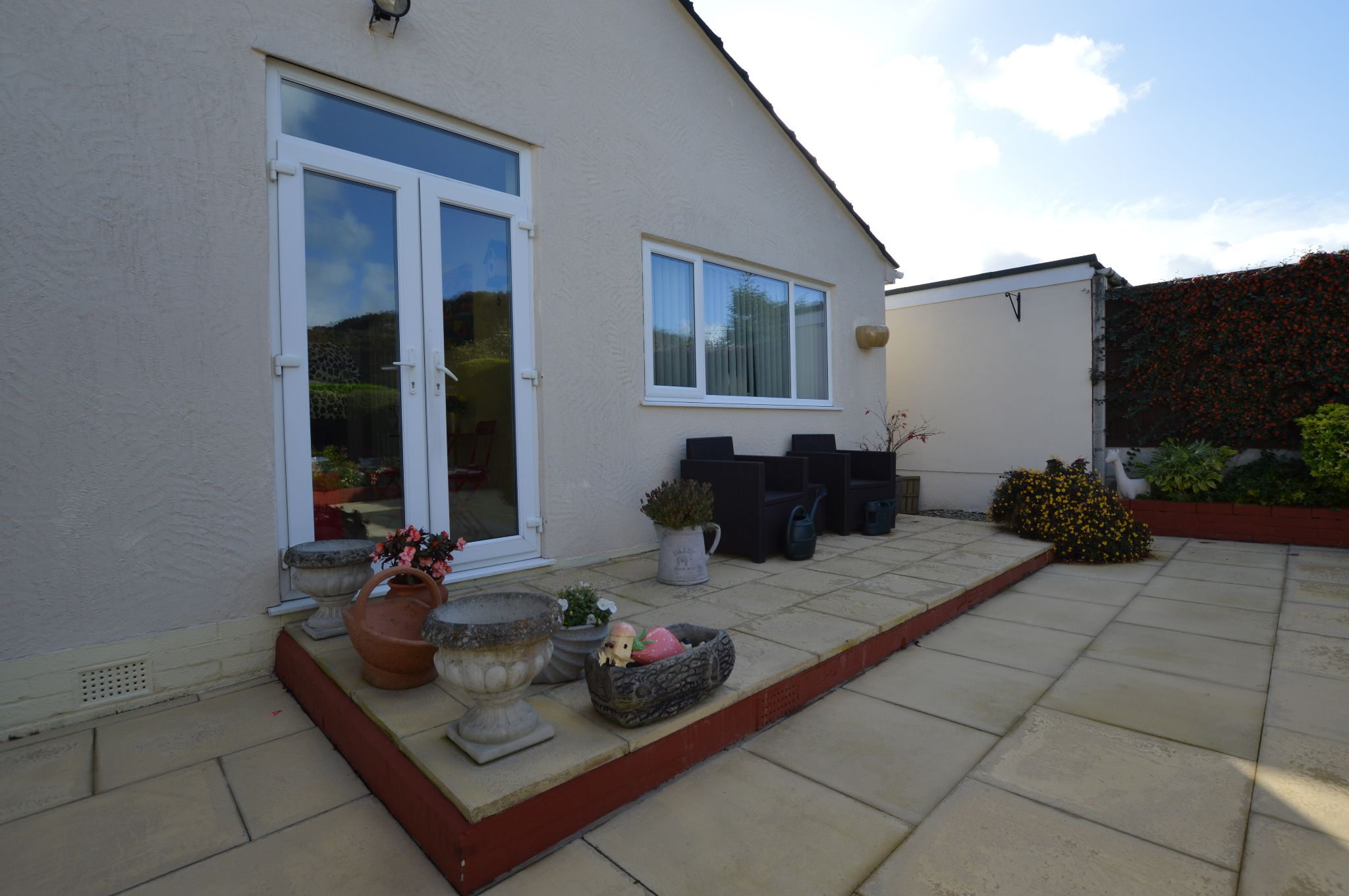 2 bedroom detached bungalow For Sale in Abergele - Patio