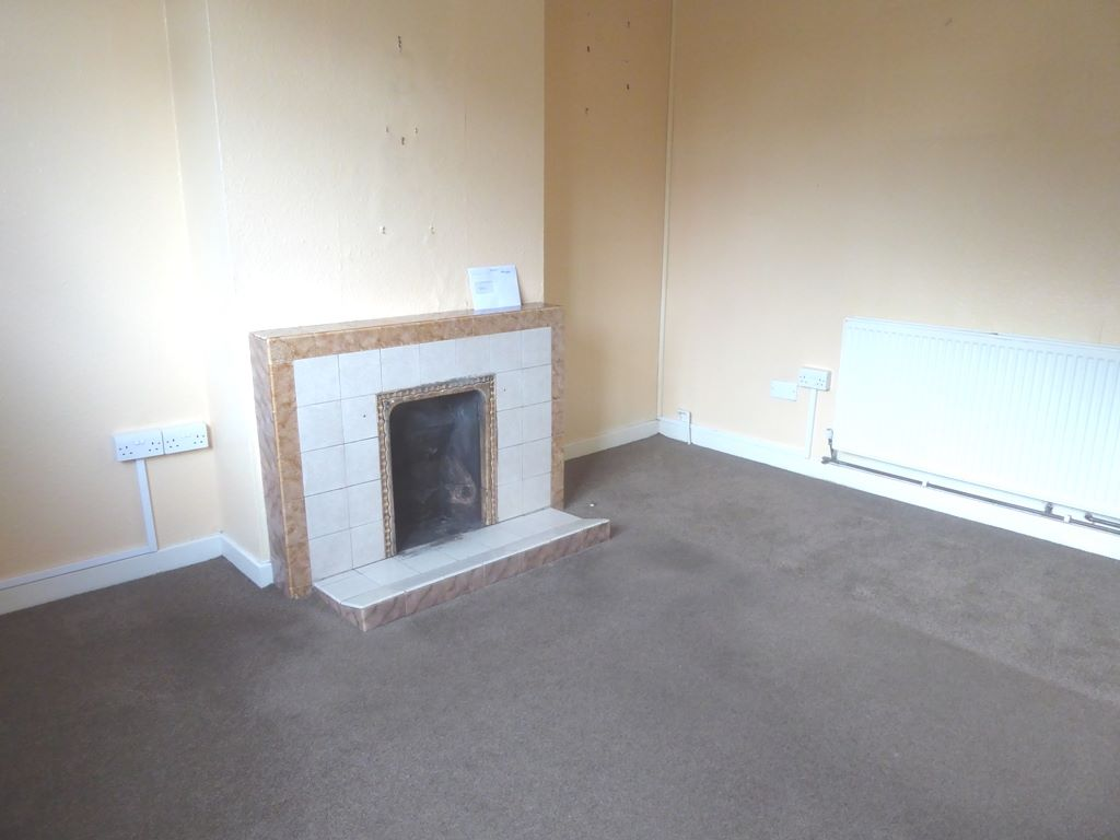 3 bedroom semi-detached house SSTC in Abergele - Photograph 2
