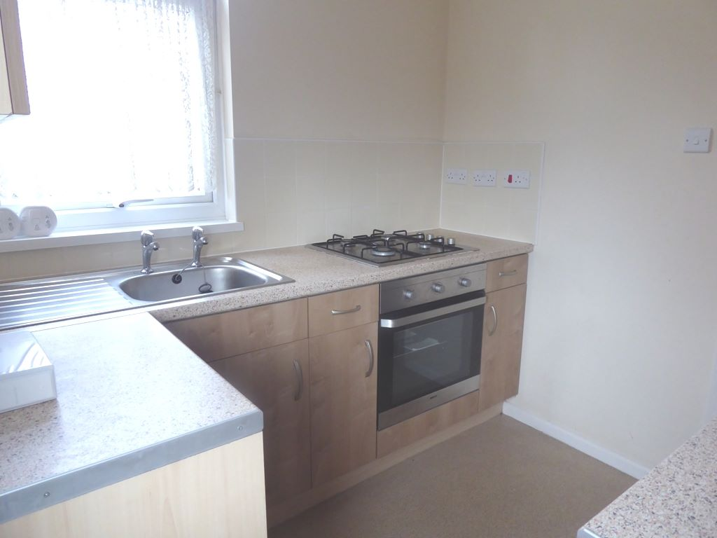 3 bedroom semi-detached house SSTC in Abergele - Photograph 5