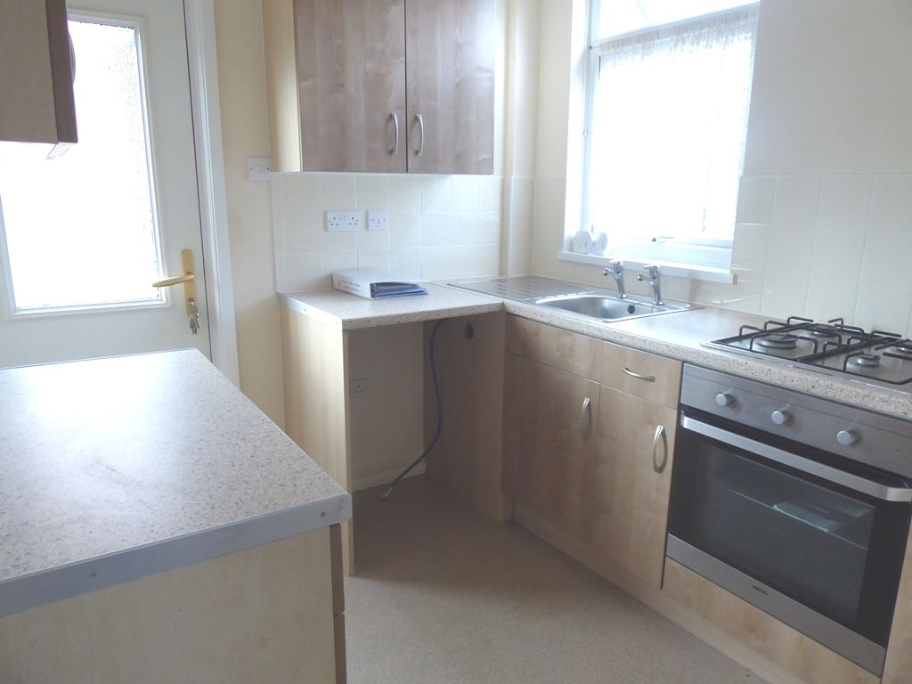 3 bedroom semi-detached house SSTC in Abergele - Photograph 4