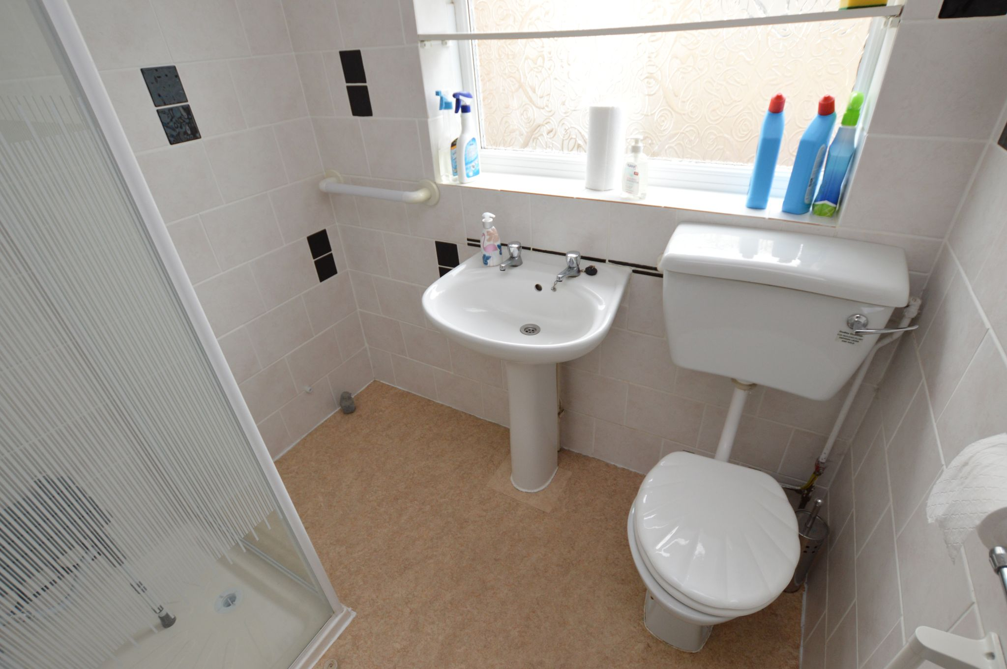 2 bedroom semi-detached bungalow For Sale in Abergele - Shower Room