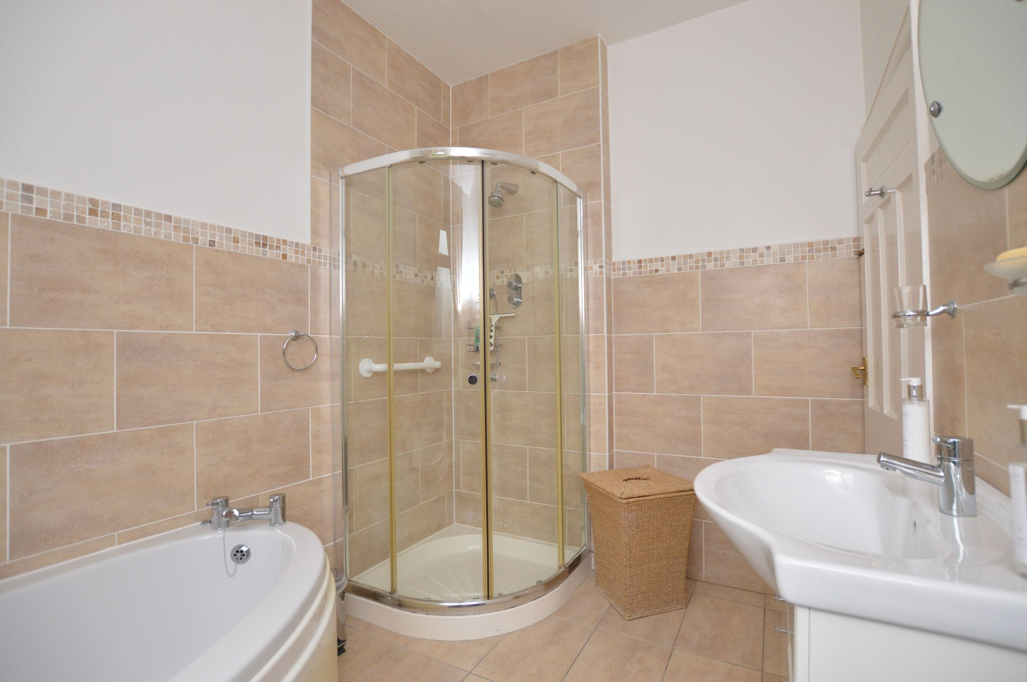 4 bedroom detached bungalow For Sale in Abergele - GF Bathroom View 2
