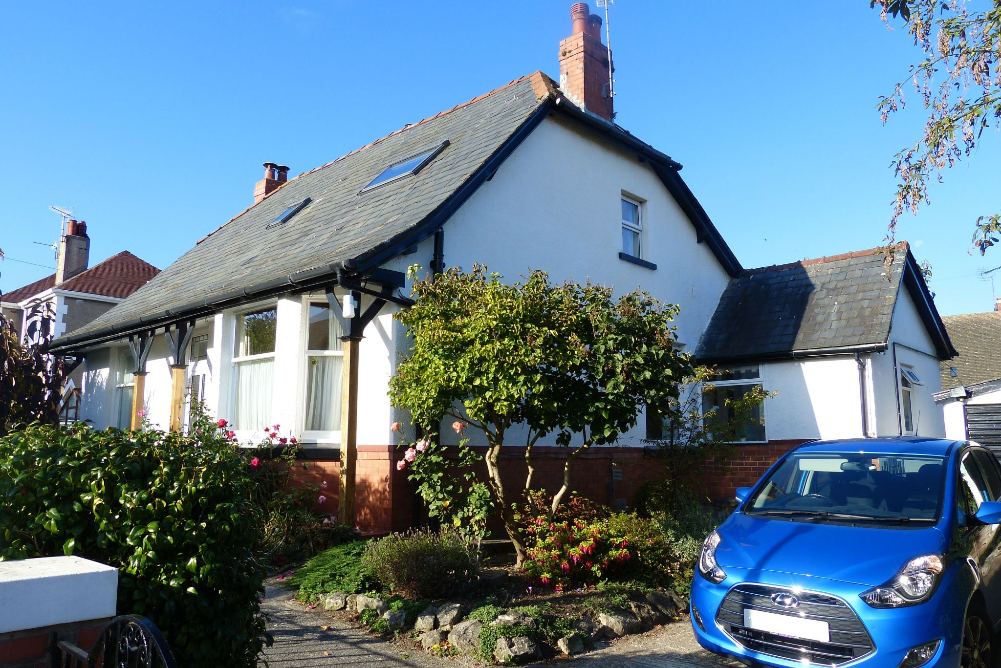 4 bedroom detached house For Sale in Abergele - Front Aspect