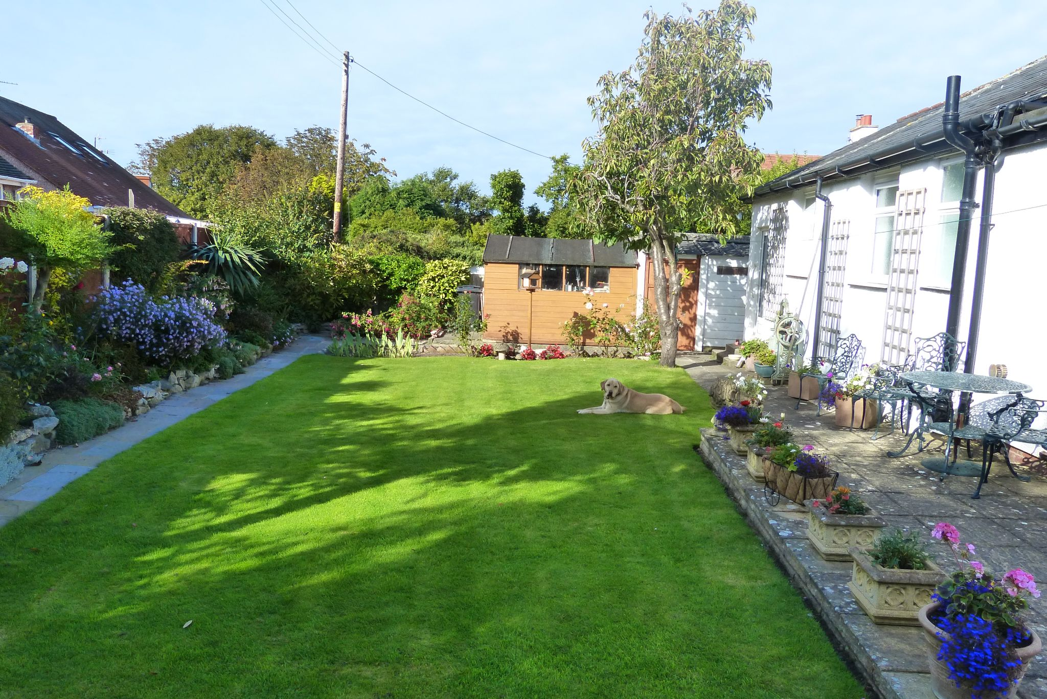 4 bedroom detached house For Sale in Abergele - Garden