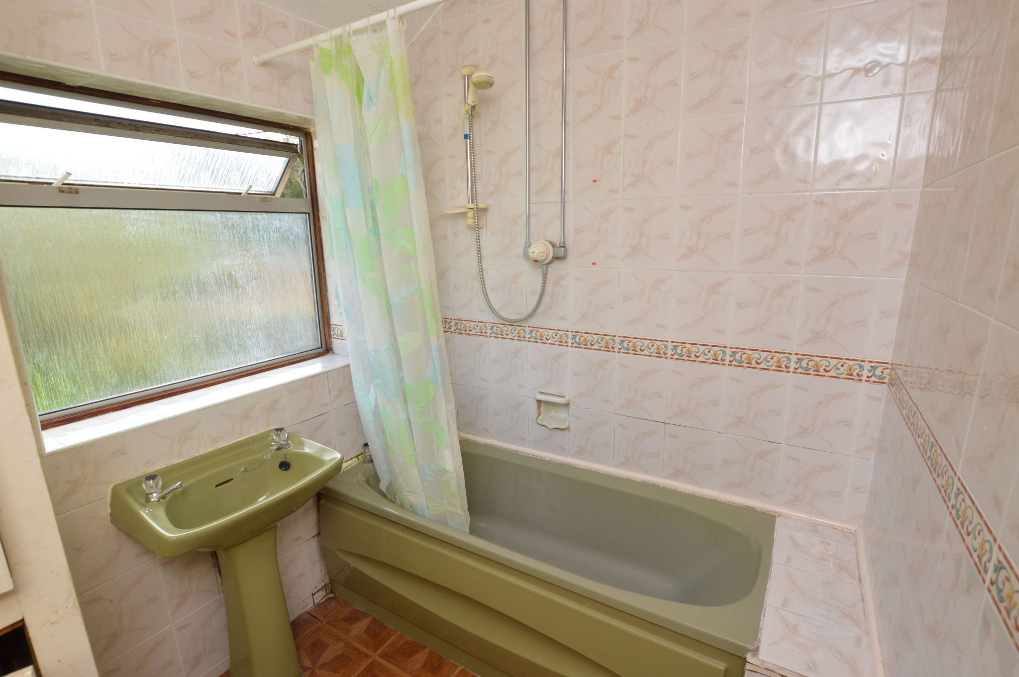 3 bedroom semi-detached house For Sale in Abergele - Bathroom