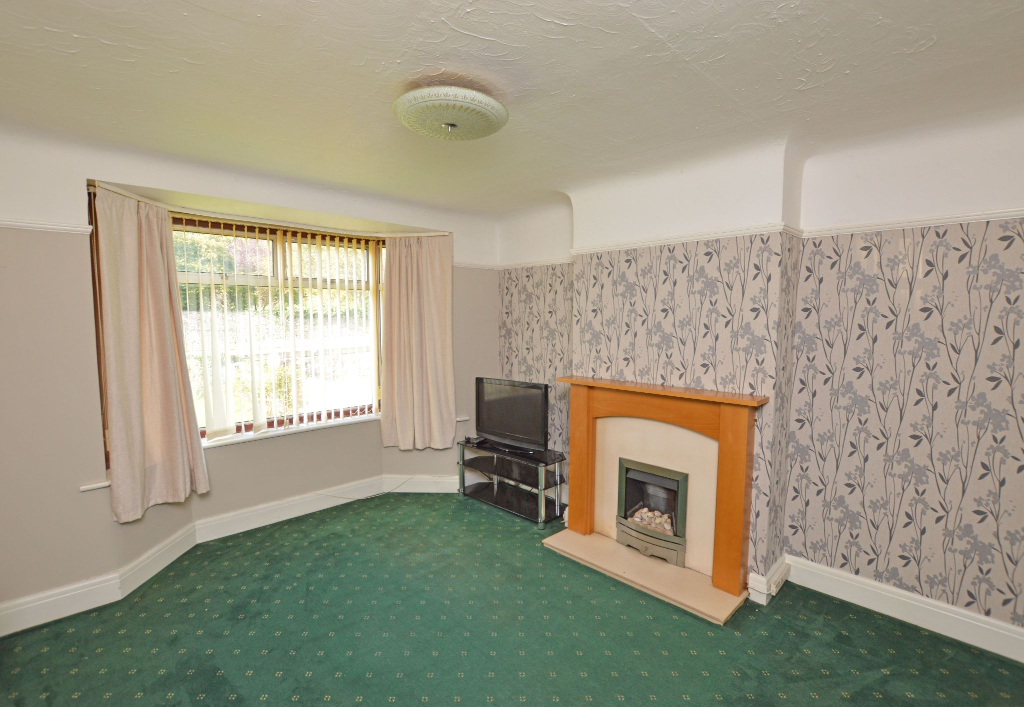 3 bedroom semi-detached house For Sale in Abergele - Lounge