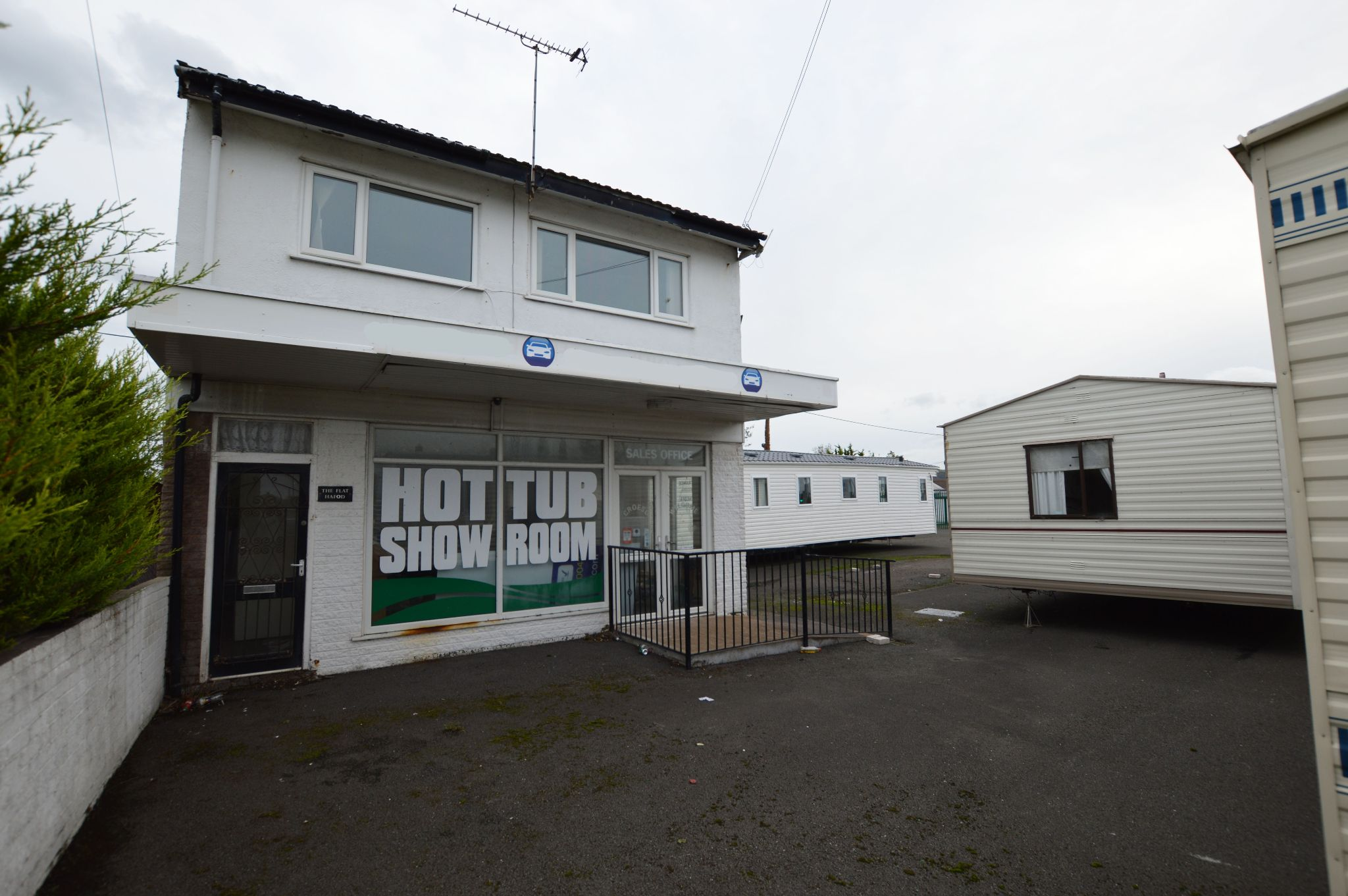 Office For Sale in Towyn - Front Aspect