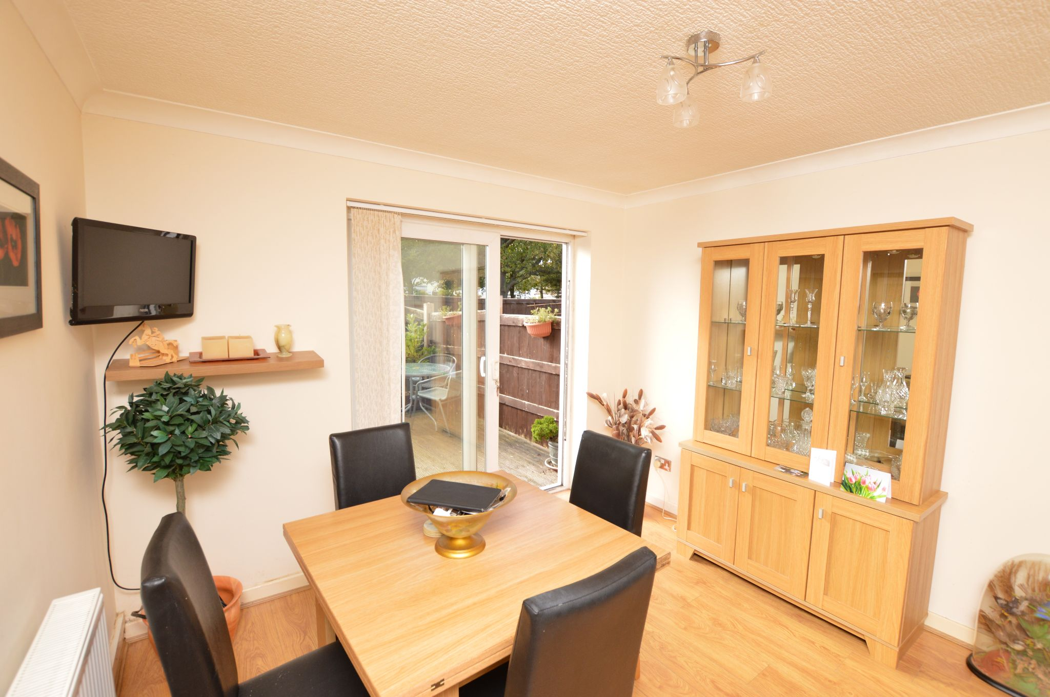 1 bedroom maisonette flat/apartment Under Offer in Abergele - Dining Area View 2