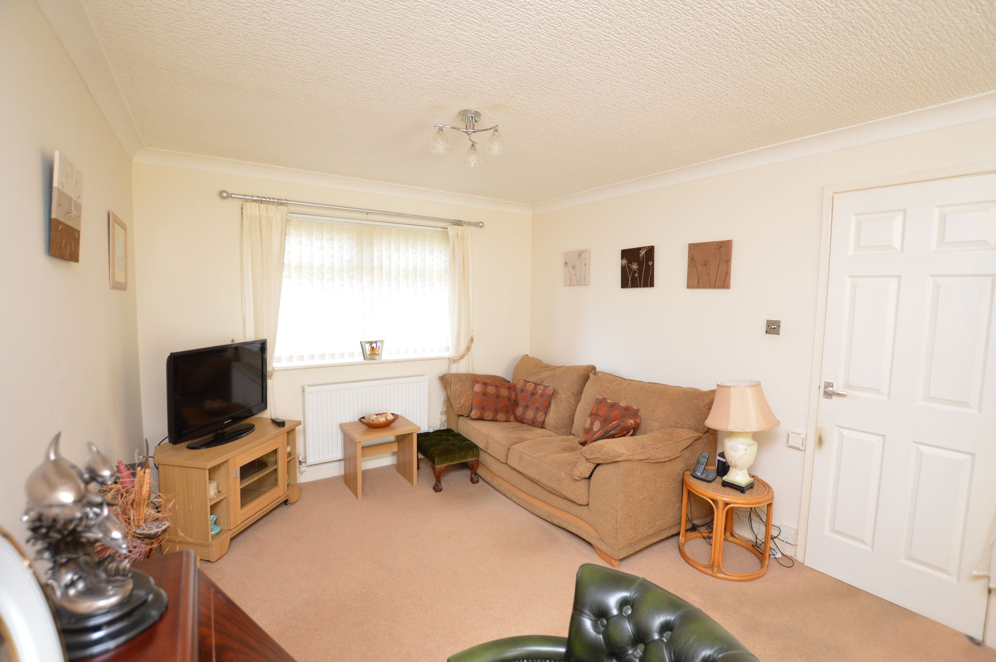 1 bedroom maisonette flat/apartment Under Offer in Abergele - Lounge View 2