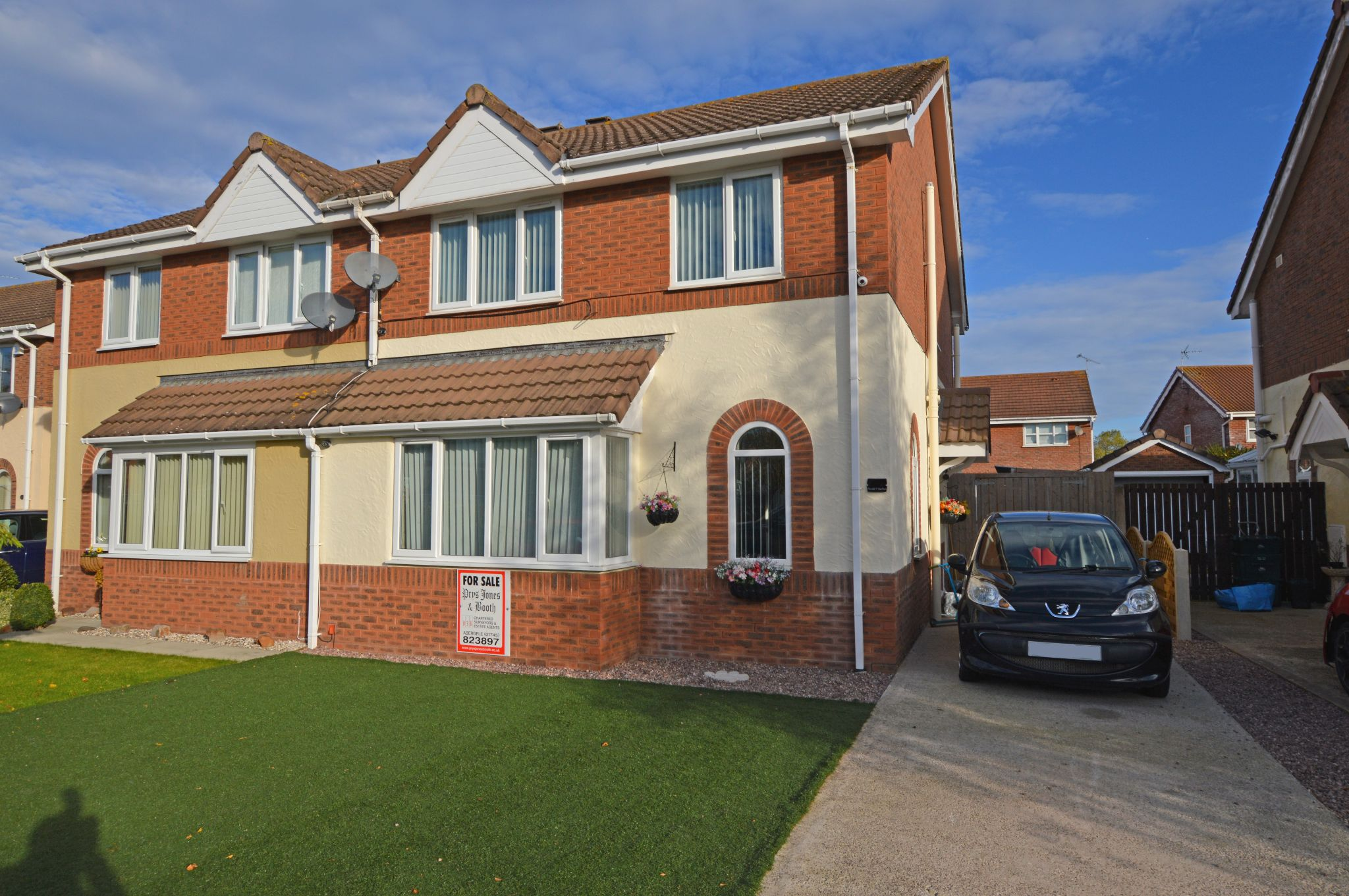 3 bedroom semi-detached house For Sale in Abergele - Front Aspect