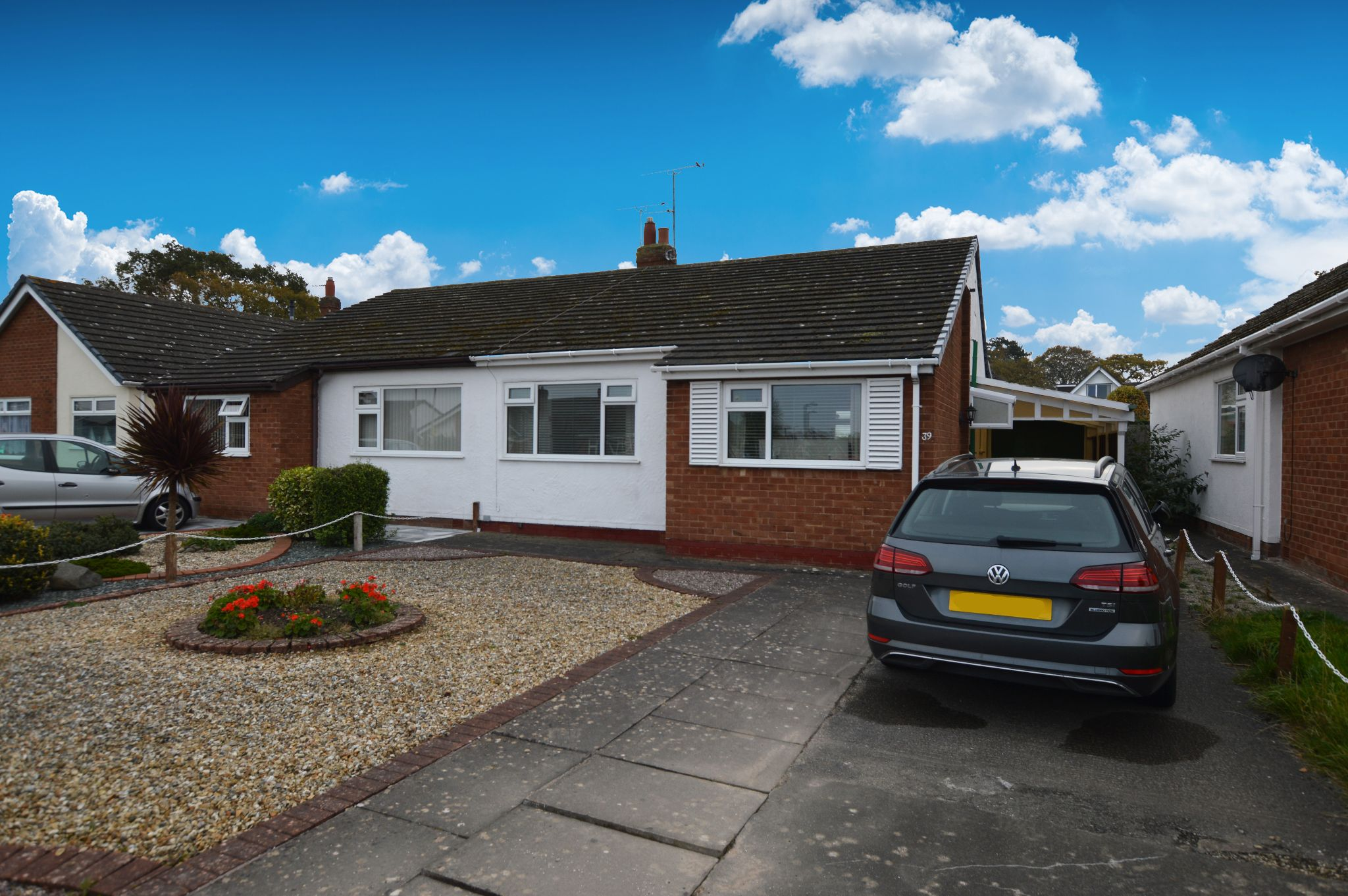 2 bedroom semi-detached bungalow Under Offer in Abergele - Photograph 1