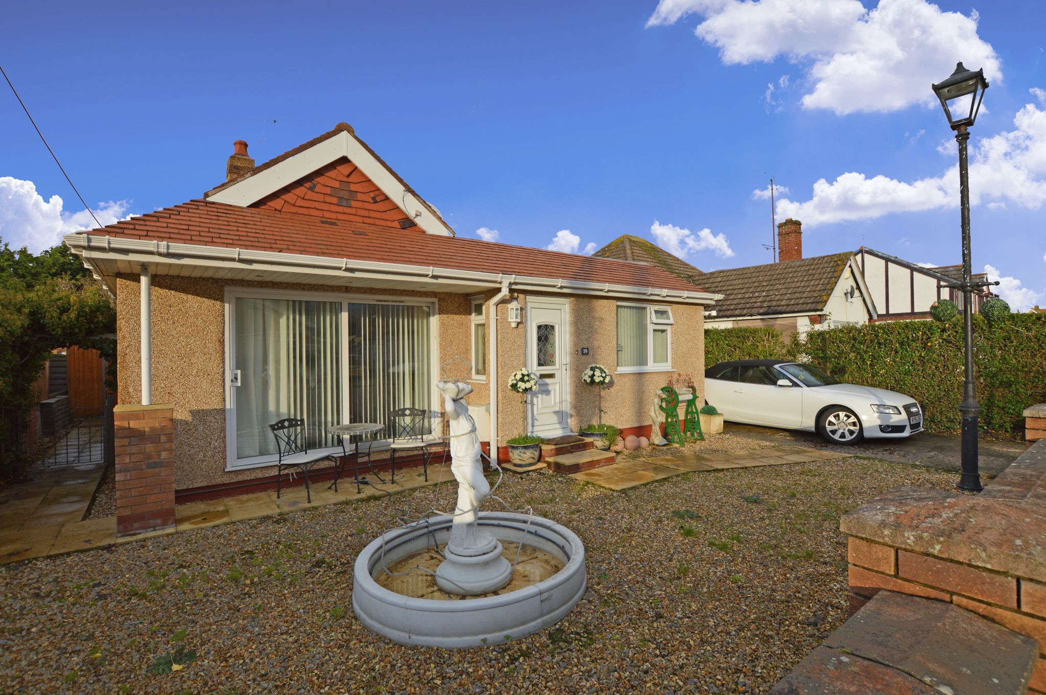 3 bedroom detached bungalow For Sale in Kinmel Bay - Front Aspect