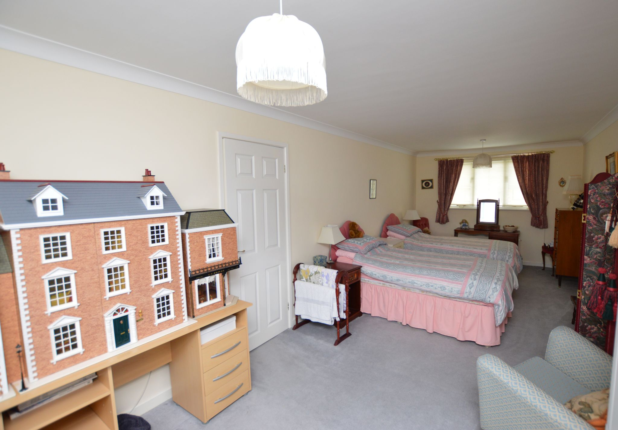 4 bedroom detached house For Sale in Abergele - Bedroom 2 View 2