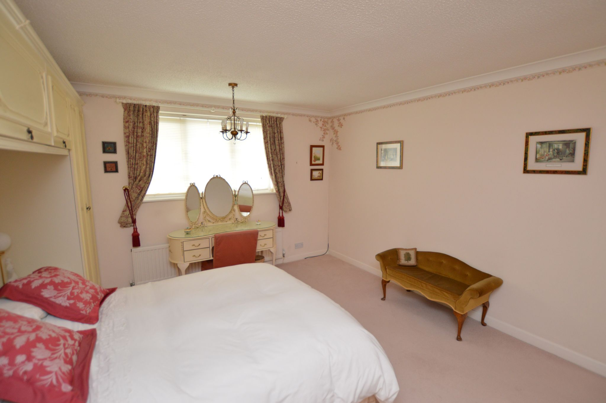 4 bedroom detached house For Sale in Abergele - Bedroom 1 View 3