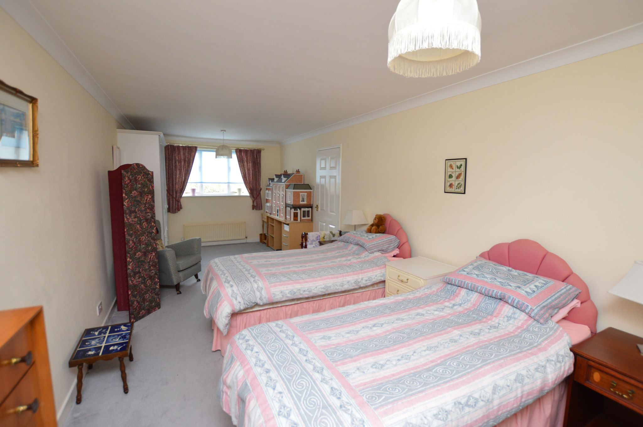 4 bedroom detached house For Sale in Abergele - Bedroom 2 View 3