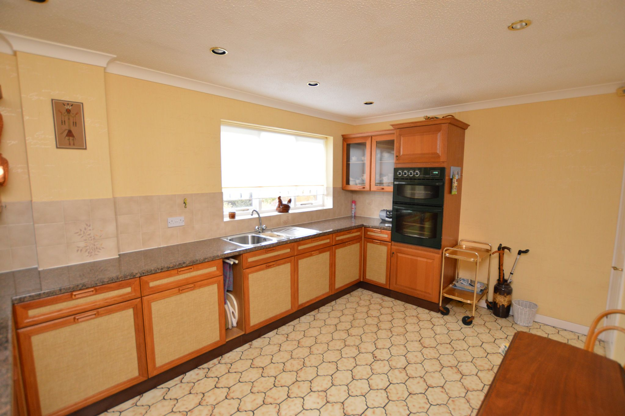 4 bedroom detached house For Sale in Abergele - Kitchen View 2
