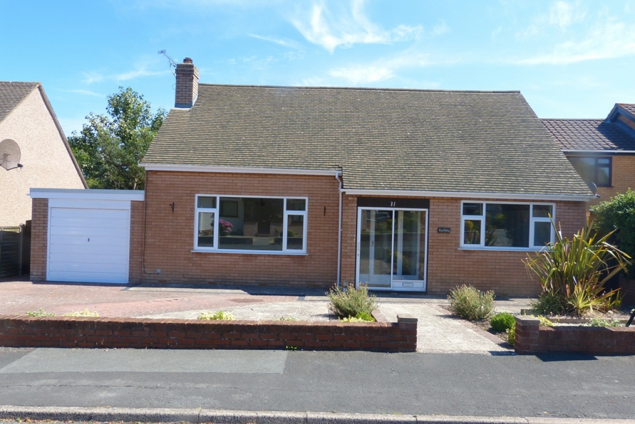 4 bedroom detached bungalow Sold in Abergele - Photograph 1