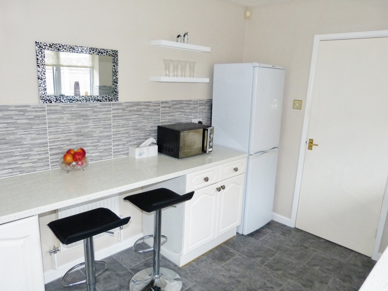 3 bedroom detached bungalow For Sale in Abergele - Photograph 5