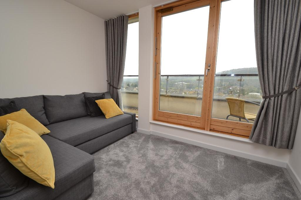 2 Bedroom Penthouse Flat/apartment For Sale - Photograph 10