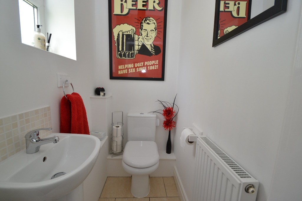3 Bedroom Semi-detached House For Sale - 2
