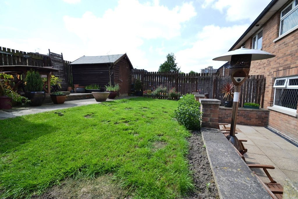 3 Bedroom Semi-detached House For Sale - 16